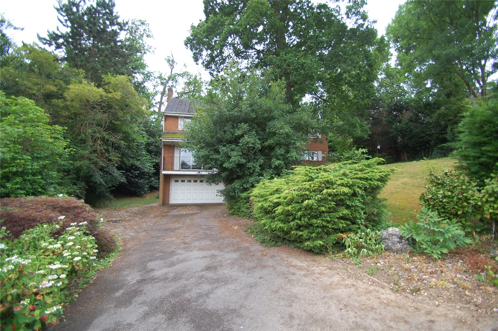 Additional photo for property listing at Mill Lane, Gerrards Cross, Buckinghamshire, SL9 Gerrards Cross, Anh Quốc