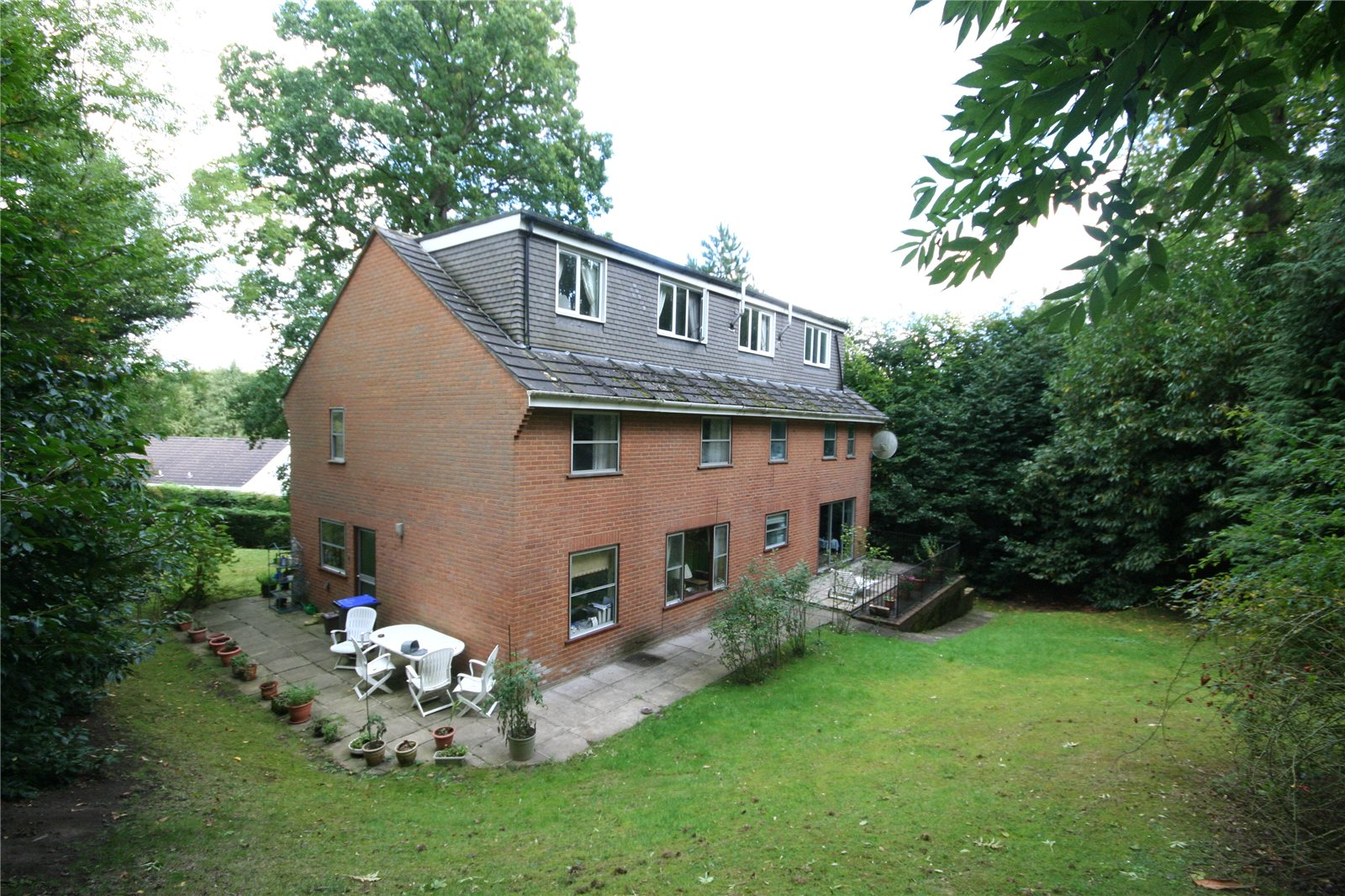 Additional photo for property listing at Mill Lane, Gerrards Cross, Buckinghamshire, SL9 Gerrards Cross, Inglaterra