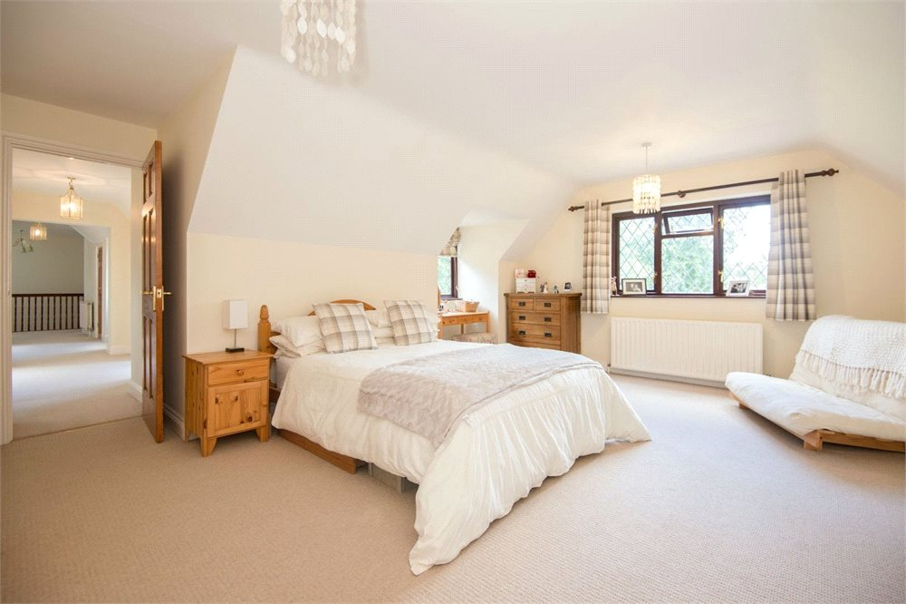 Additional photo for property listing at Ellis Avenue, Chalfont Heights, Buckinghamshire, SL9 Buckinghamshire, Angleterre