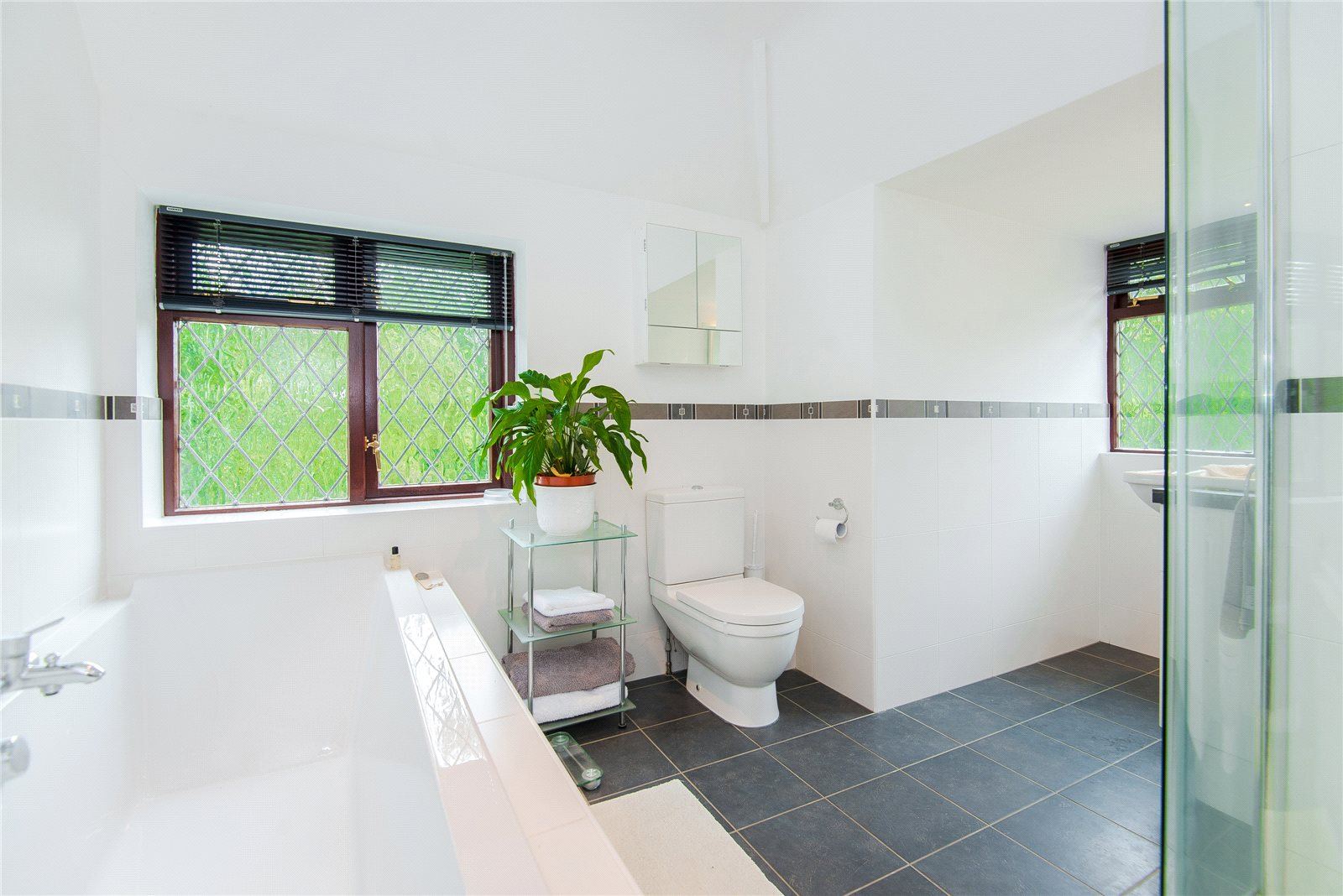 Additional photo for property listing at Ellis Avenue, Chalfont Heights, Buckinghamshire, SL9 Buckinghamshire, 英格蘭