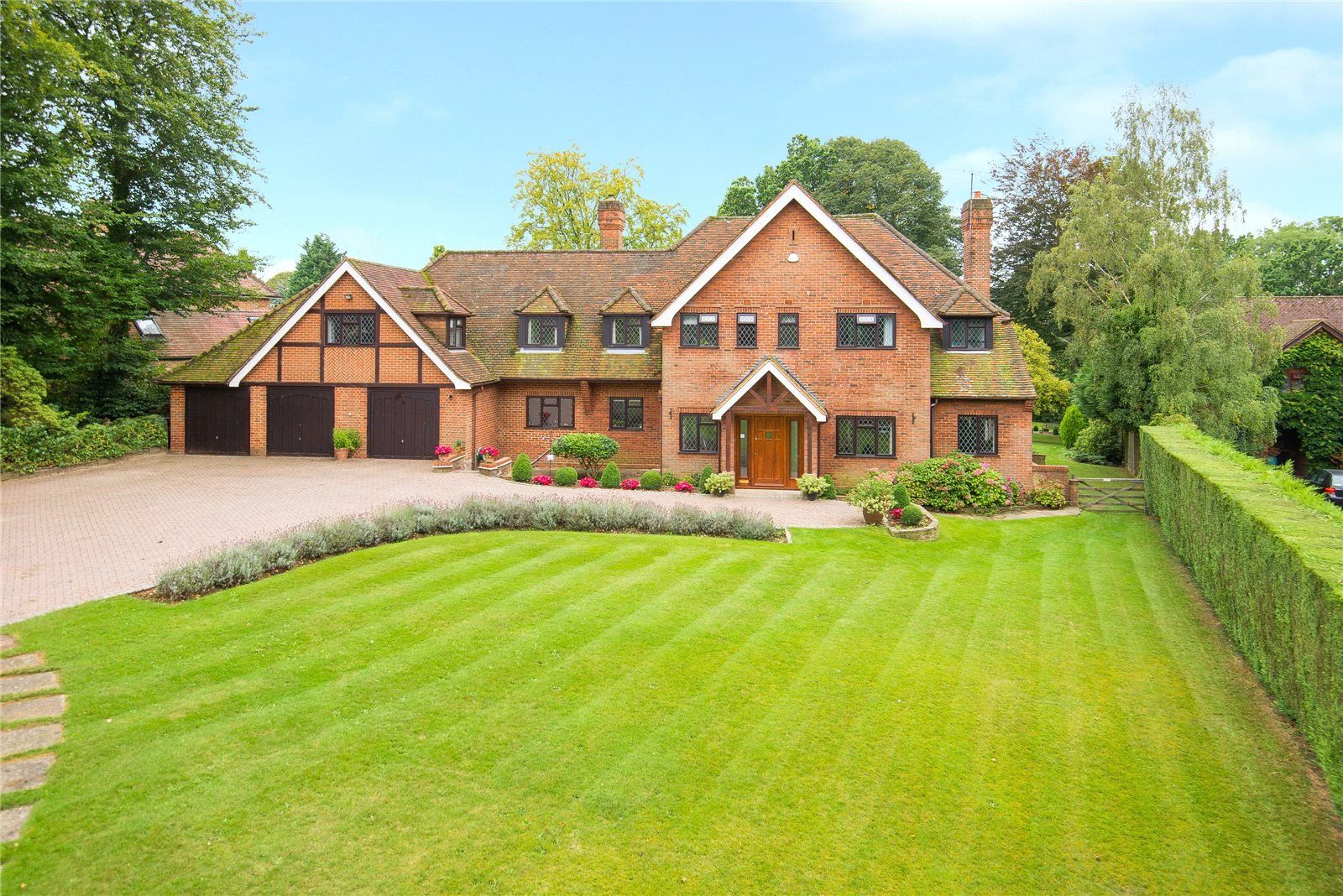 Single Family Home for Sale at Ellis Avenue, Chalfont Heights, Buckinghamshire, SL9 Buckinghamshire, England