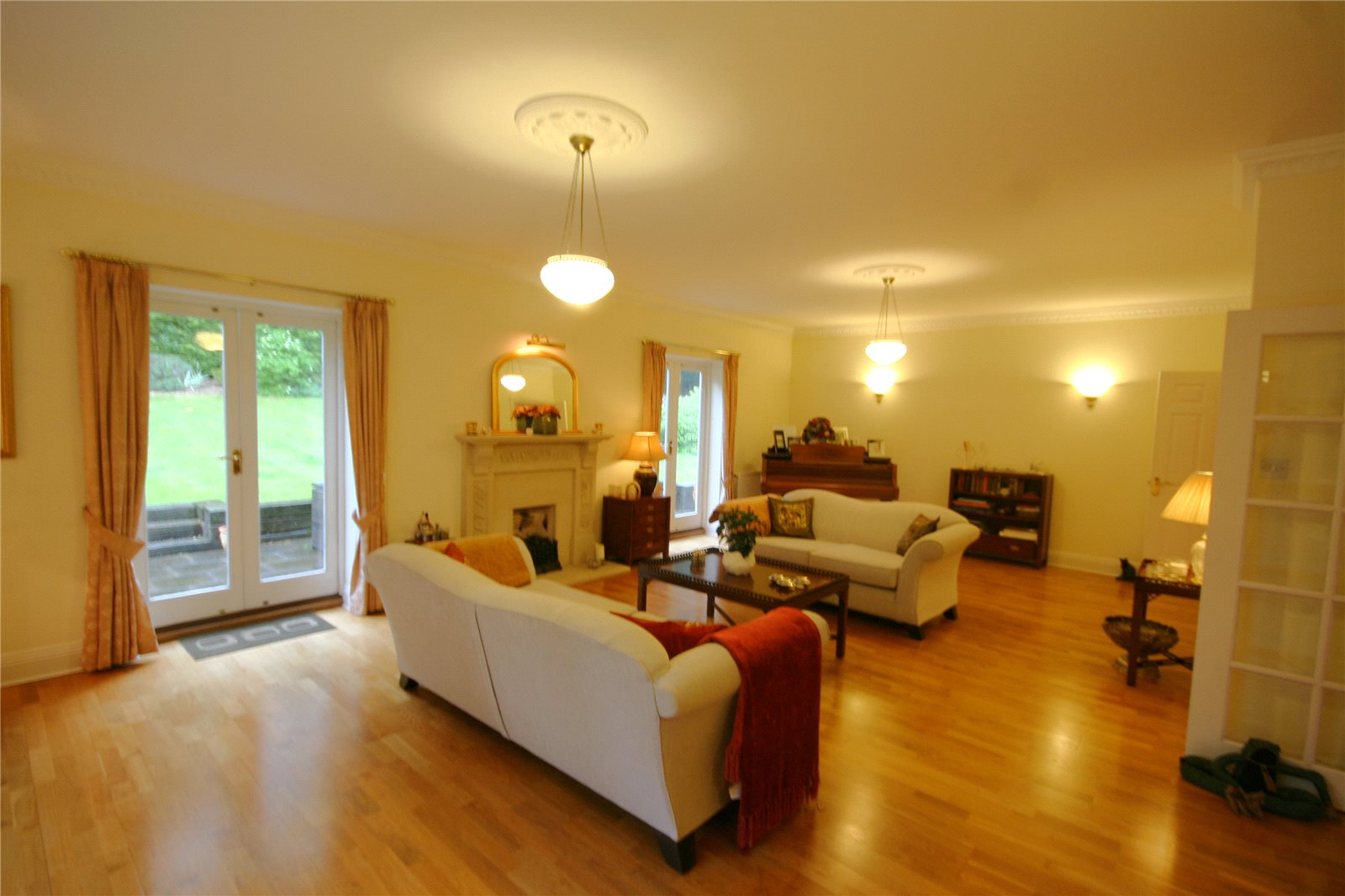 Additional photo for property listing at South Park, Gerrards Cross, Buckinghamshire, SL9 Gerrards Cross, 영국
