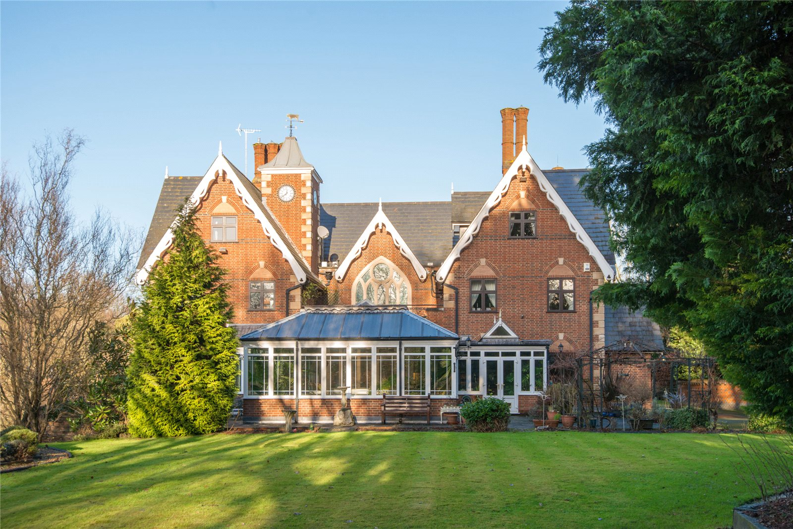 一戸建て のために 売買 アット Main Drive, Gerrards Cross, Buckinghamshire, SL9 Gerrards Cross, イギリス