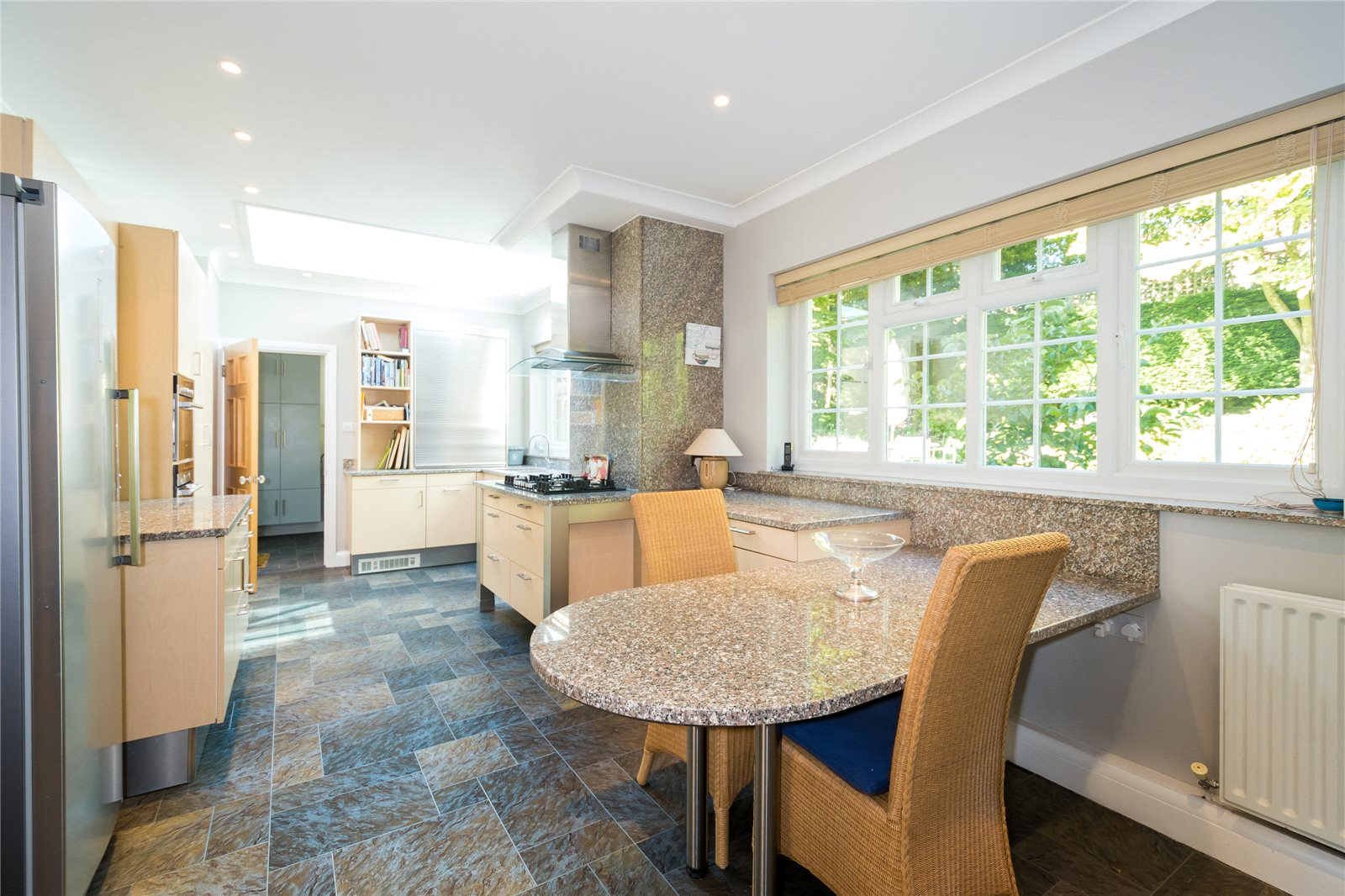 Additional photo for property listing at Woodbank Avenue, Gerrards Cross, Buckinghamshire, SL9 Gerrards Cross, Inglaterra