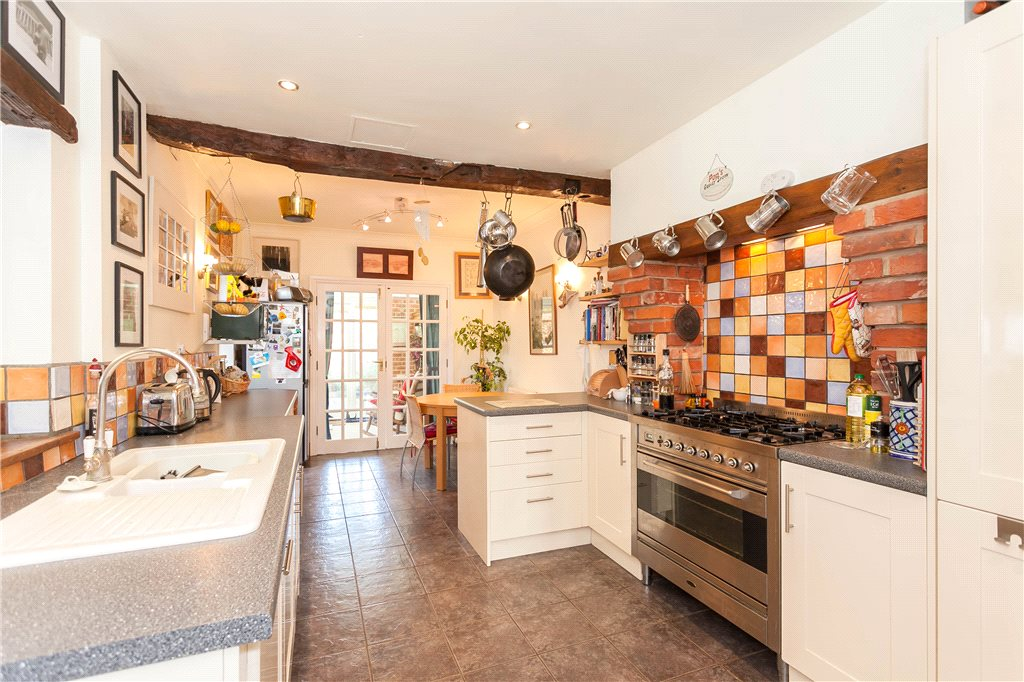 Additional photo for property listing at South View Road, Gerrards Cross, Buckinghamshire, SL9 Gerrards Cross, Engeland