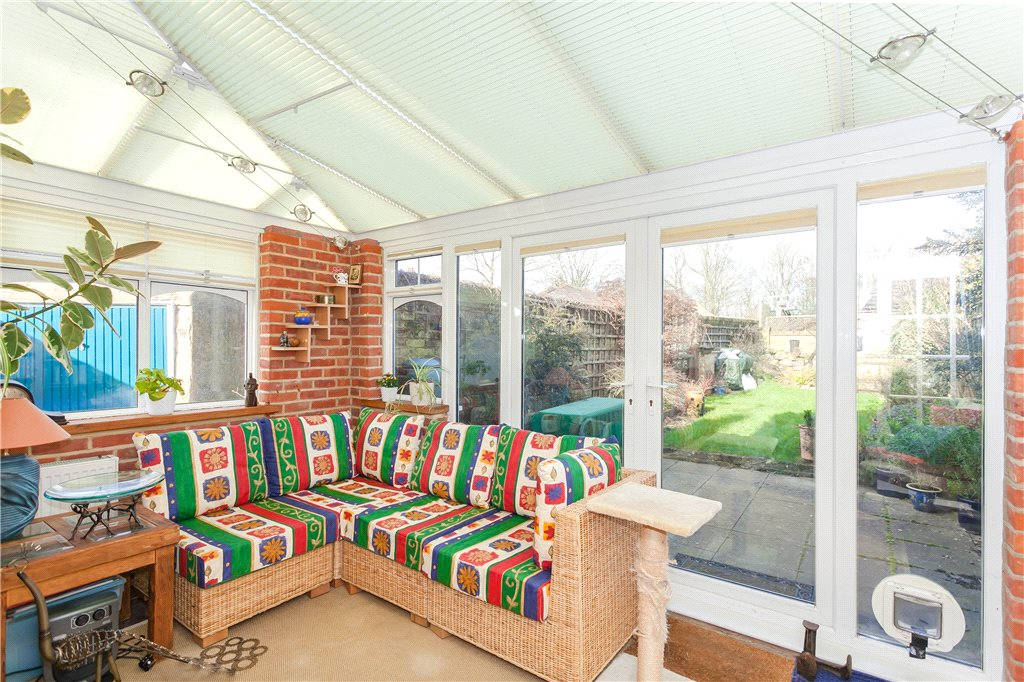 Additional photo for property listing at South View Road, Gerrards Cross, Buckinghamshire, SL9 Gerrards Cross, Ingiltere