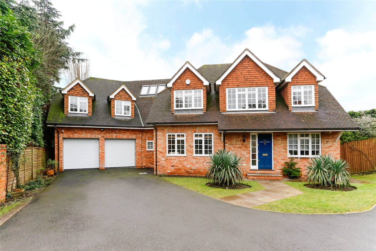 Частный дом для того Продажа на Hill Rise, Chalfont St Peter, Gerrards Cross, Buckinghamshire, SL9 Gerrards Cross, Англия