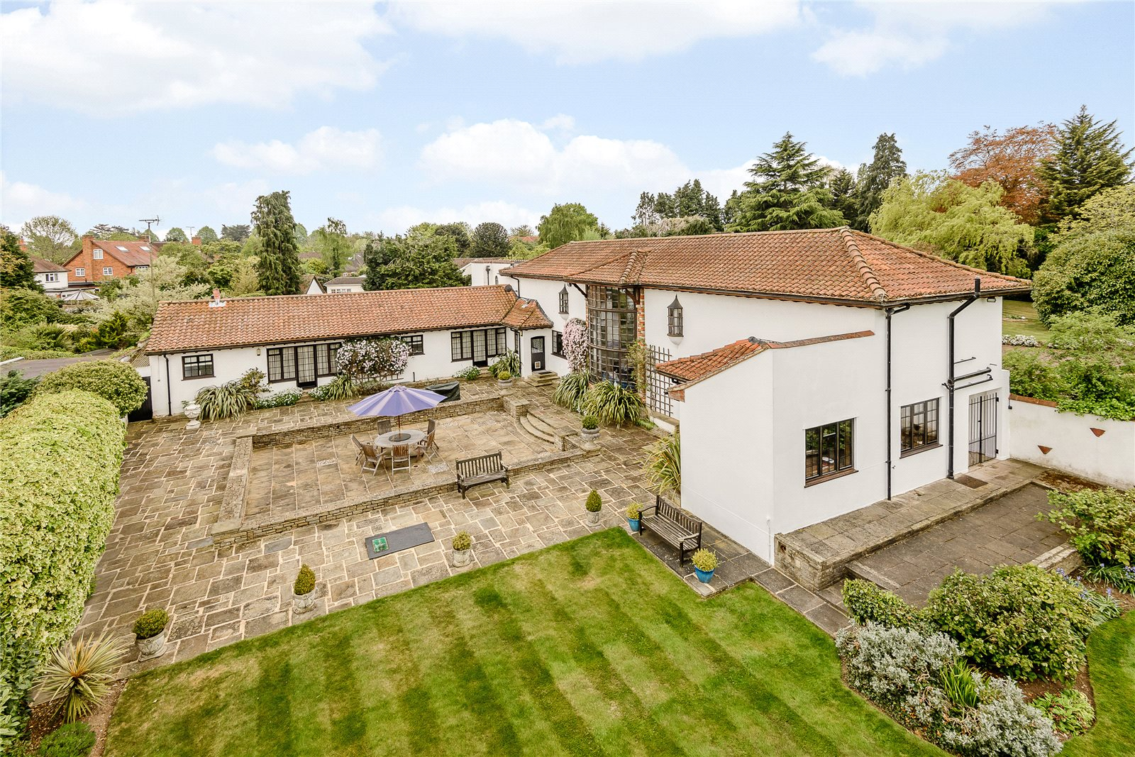 Additional photo for property listing at Village Road, Denham Village, Buckinghamshire, UB9 Buckinghamshire, Англия