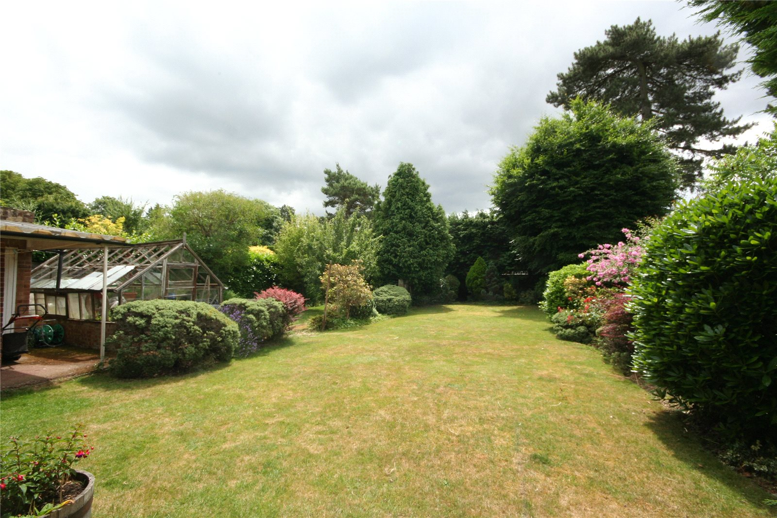 Additional photo for property listing at Clevehurst Close, Stoke Poges, Buckinghamshire, SL2 Stoke Poges, Angleterre