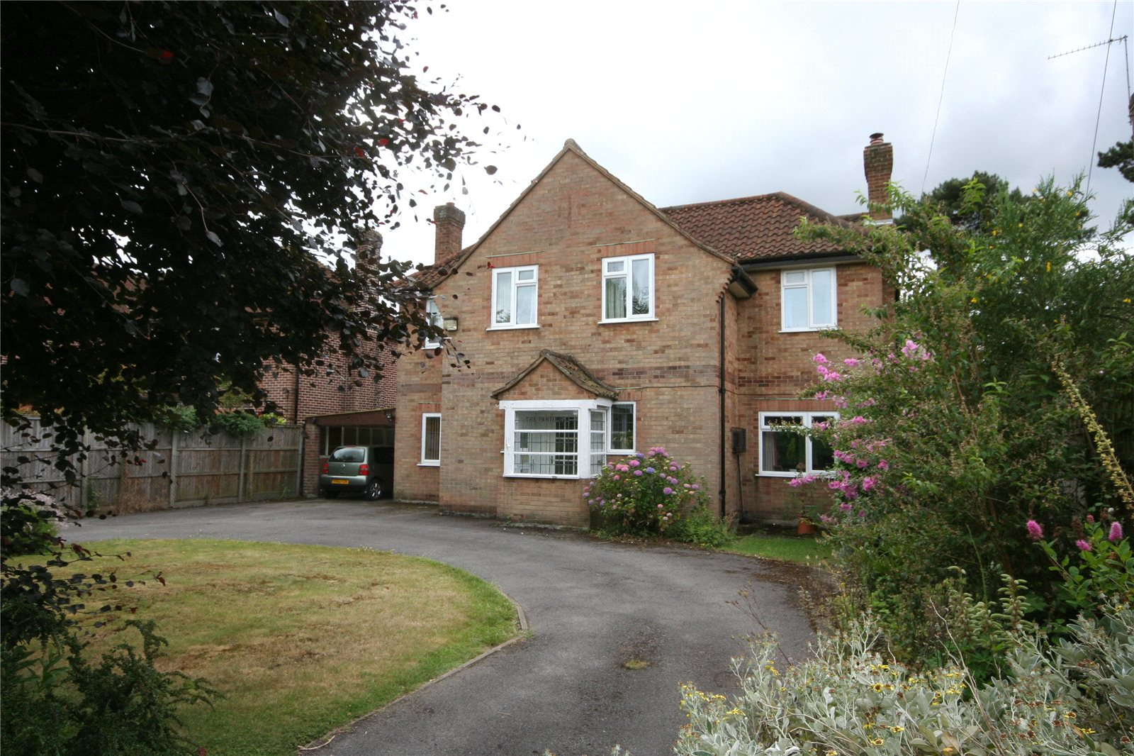 獨棟家庭住宅 為 出售 在 Clevehurst Close, Stoke Poges, Buckinghamshire, SL2 Stoke Poges, 英格蘭