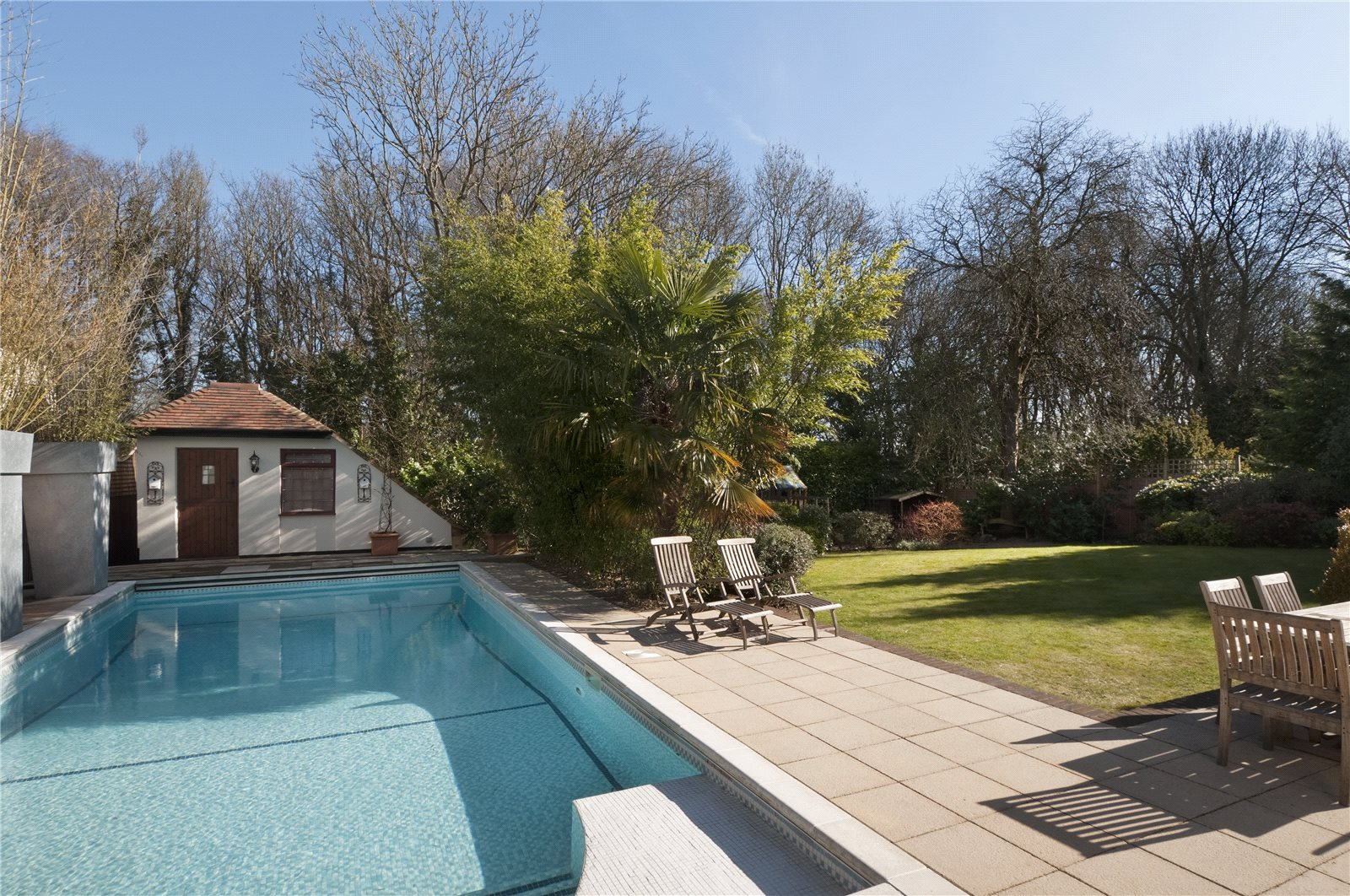 Additional photo for property listing at North Park, Gerrards Cross, Buckinghamshire, SL9 Gerrards Cross, Engeland