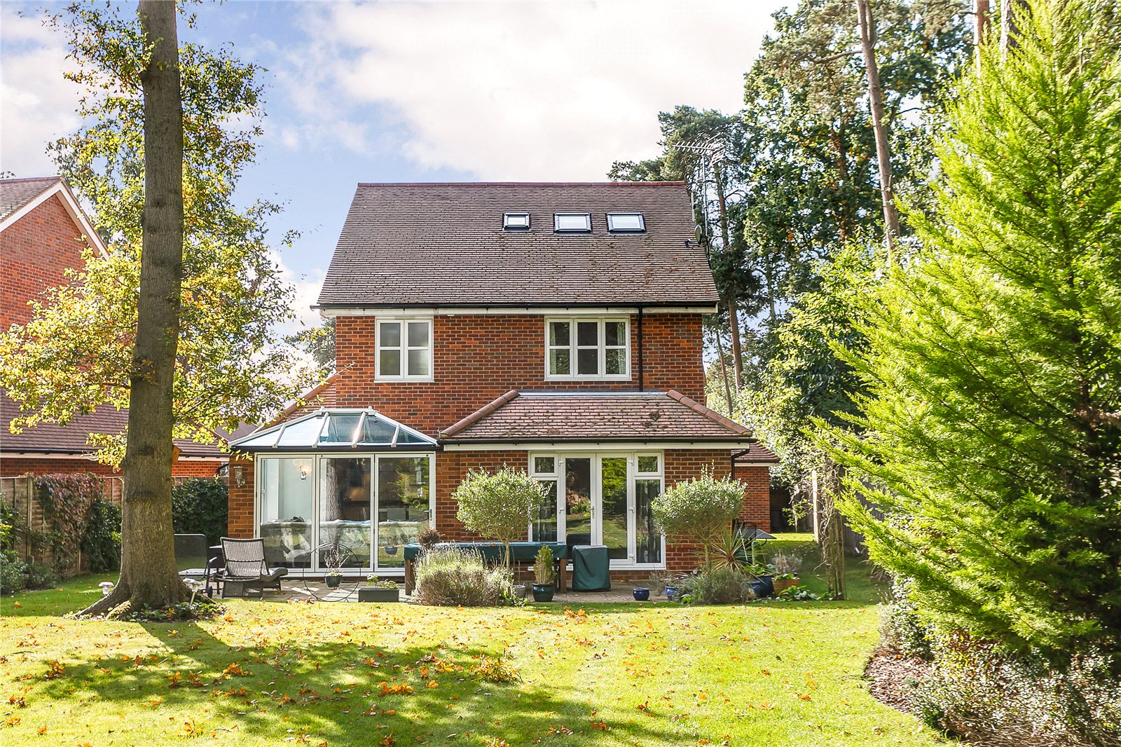 Additional photo for property listing at Ortman Close, Gerrards Cross, Buckinghamshire, SL9 Gerrards Cross, 英格兰
