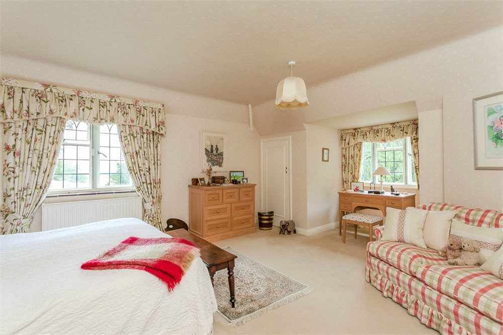 Additional photo for property listing at Hedgerley Lane, Gerrards Cross, Buckinghamshire, SL9 Gerrards Cross, Англия