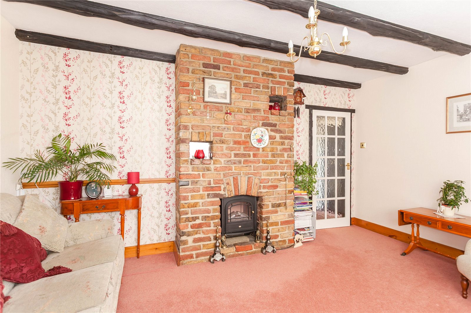 Additional photo for property listing at Hill Rise, Chalfont St Peter, Buckinghamshire, SL9 Chalfont St Peter, Inglaterra