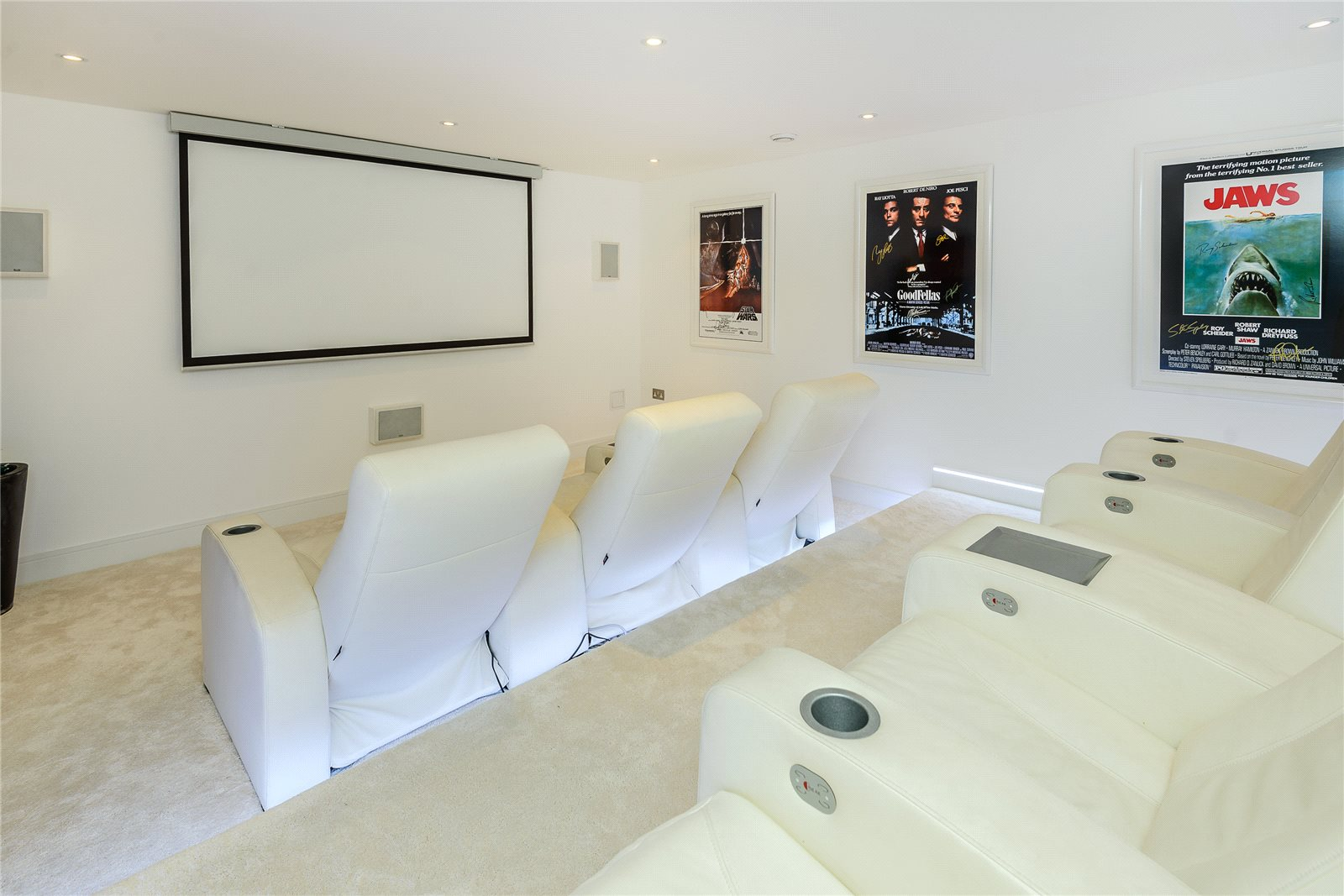 Additional photo for property listing at Rickmans Lane, Stoke Poges, Buckinghamshire, SL2 Stoke Poges, Αγγλια