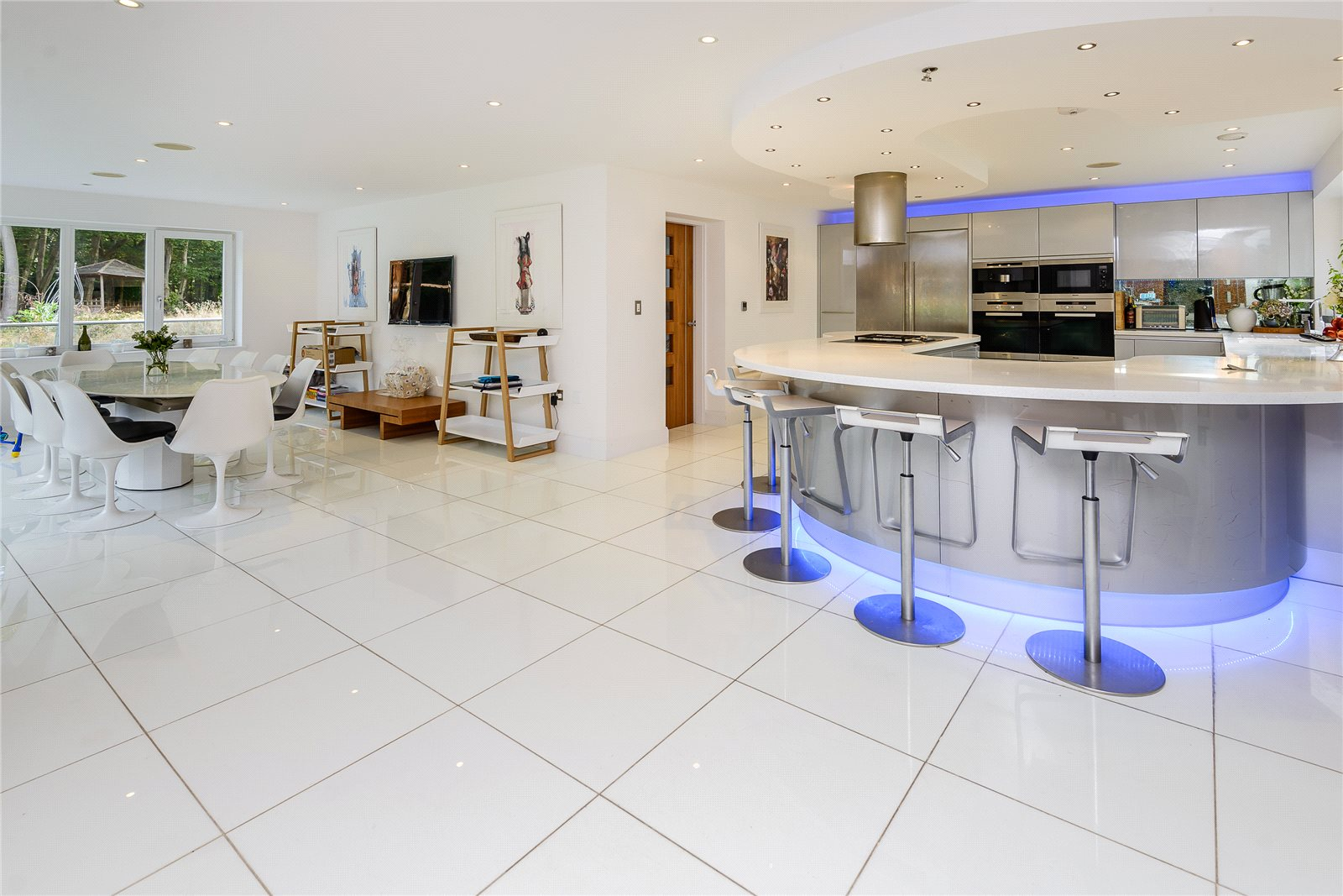Additional photo for property listing at Rickmans Lane, Stoke Poges, Buckinghamshire, SL2 Stoke Poges, England