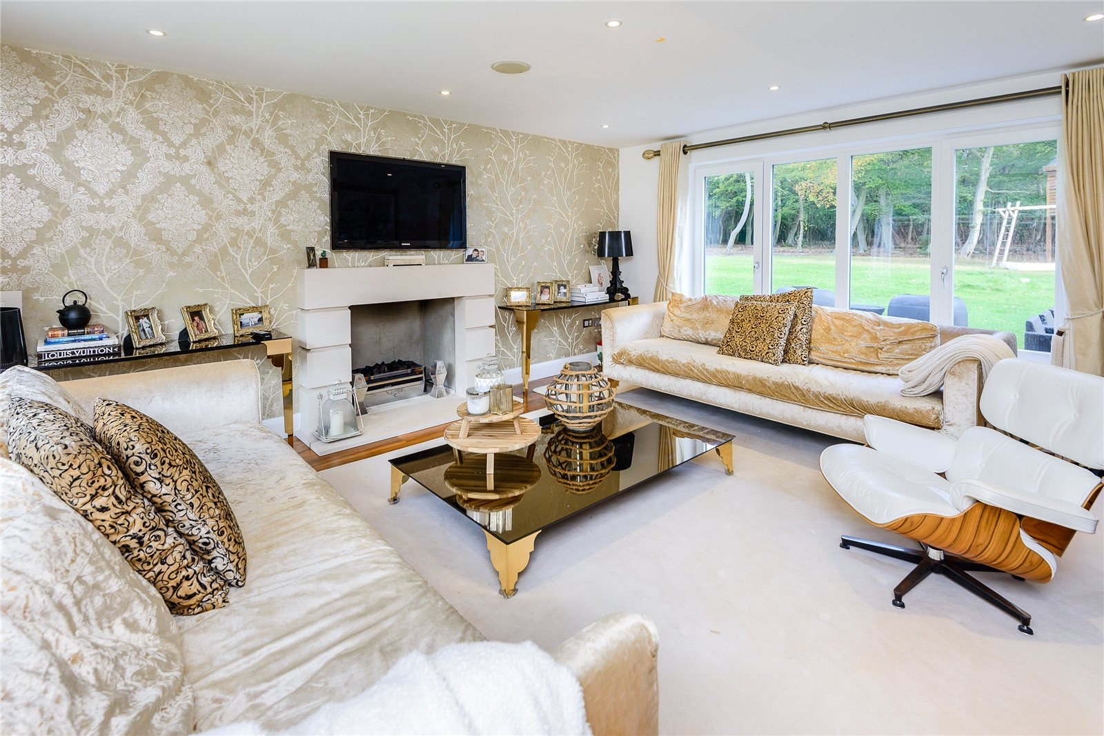 Additional photo for property listing at Rickmans Lane, Stoke Poges, Buckinghamshire, SL2 Stoke Poges, Ingiltere