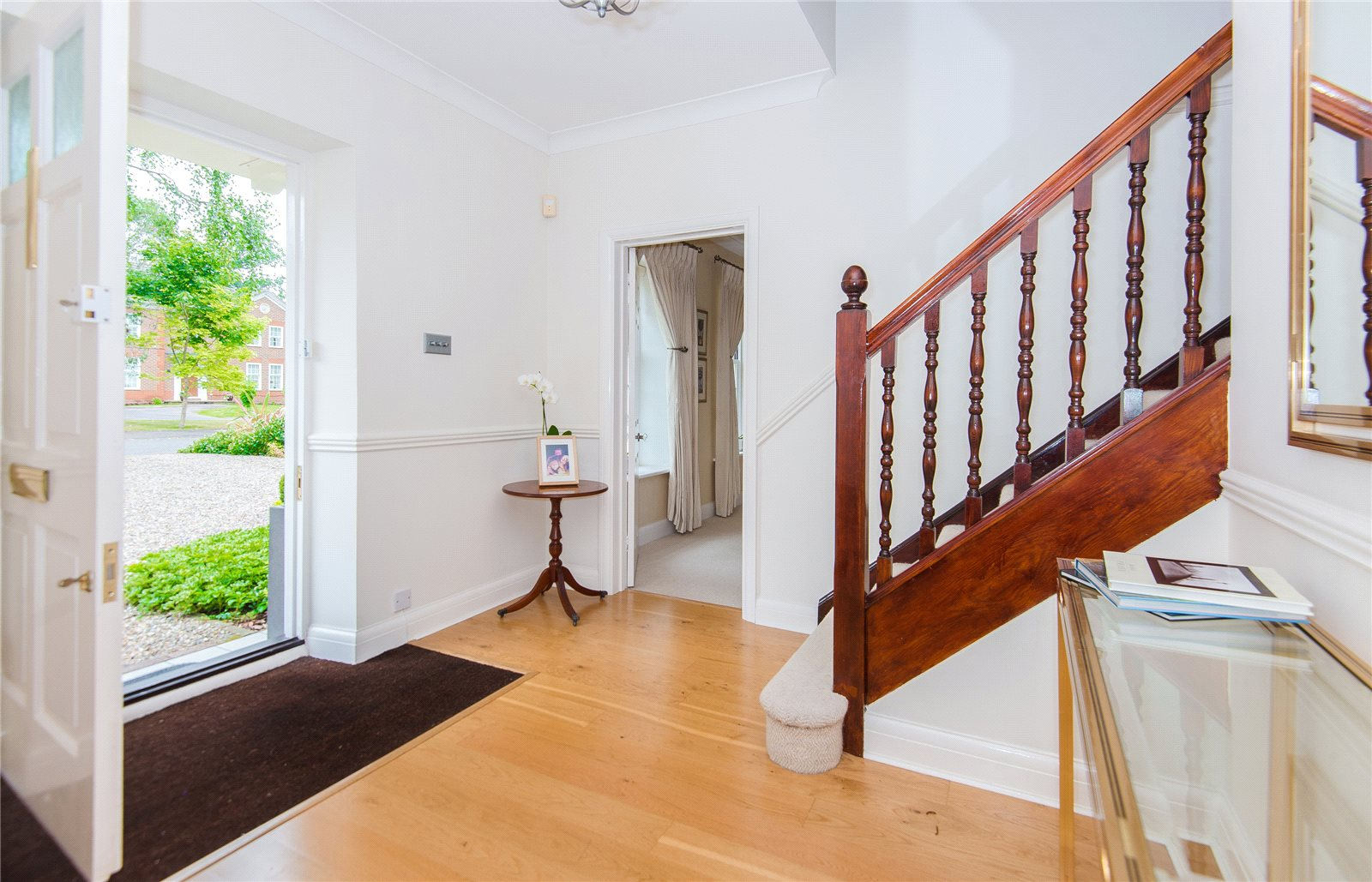 Additional photo for property listing at St Huberts Close, Gerrards Cross, Buckinghamshire, SL9 Gerrards Cross, 英格蘭