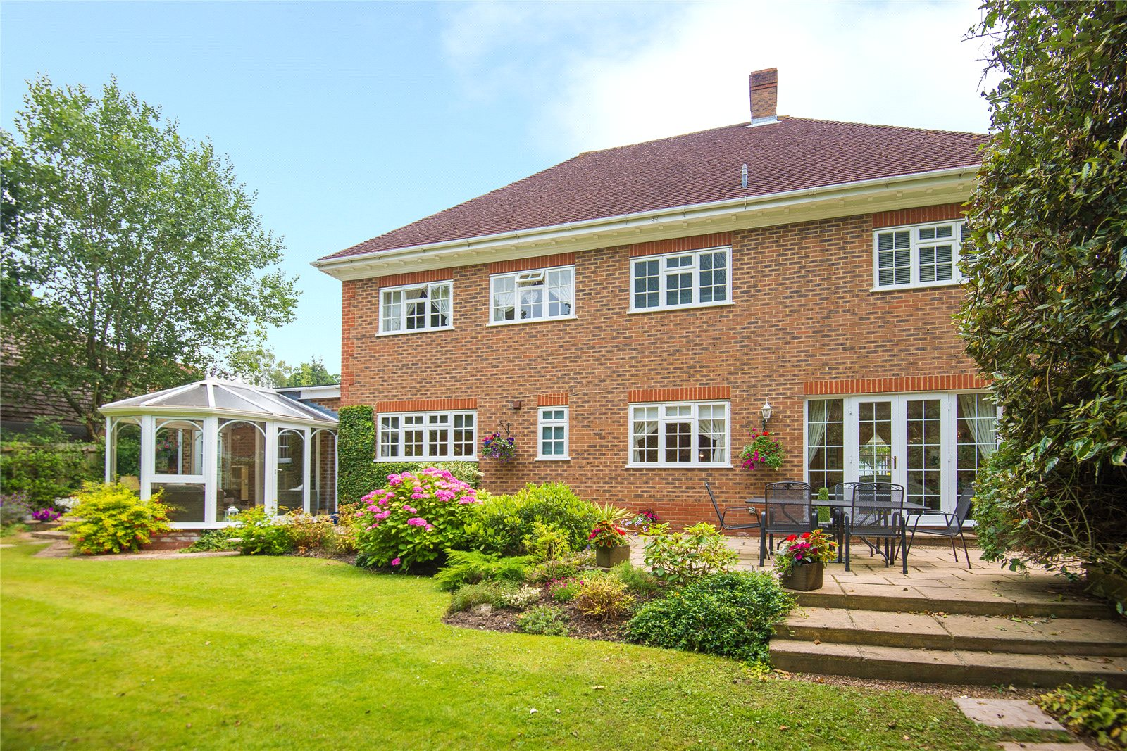 Additional photo for property listing at St Huberts Close, Gerrards Cross, Buckinghamshire, SL9 Gerrards Cross, 英格兰