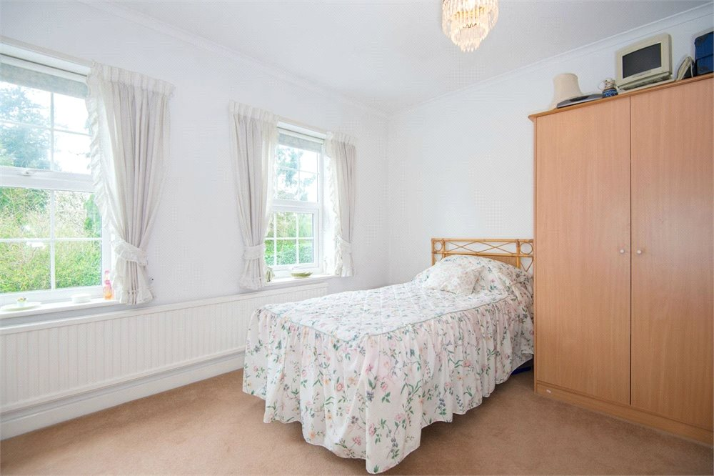 Additional photo for property listing at Bentinck Close, Gerrards Cross, Buckinghamshire, SL9 Gerrards Cross, Inglaterra