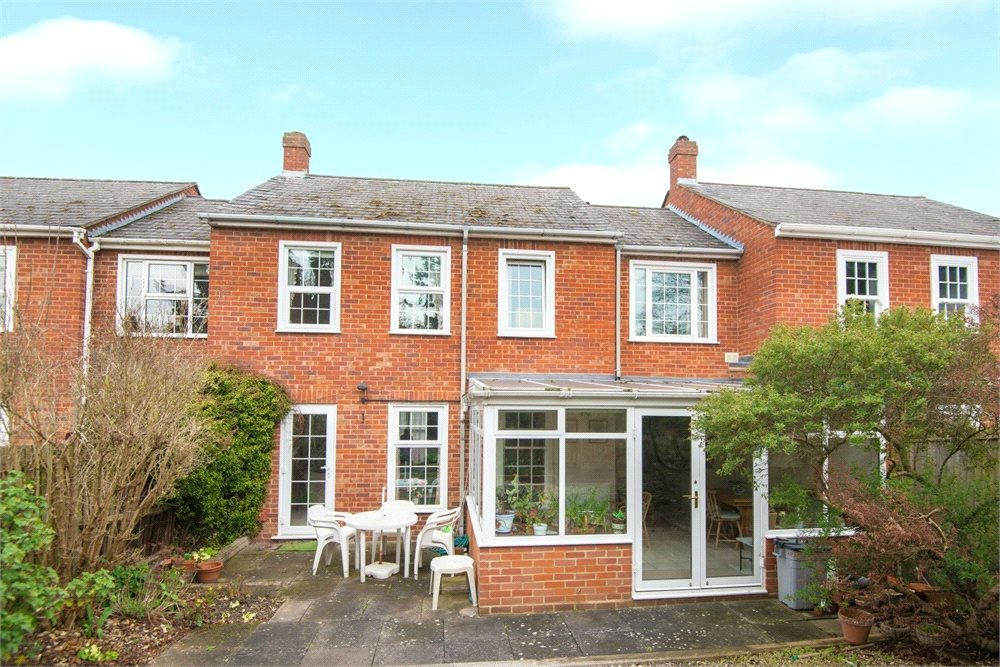 Additional photo for property listing at Bentinck Close, Gerrards Cross, Buckinghamshire, SL9 Gerrards Cross, 영국
