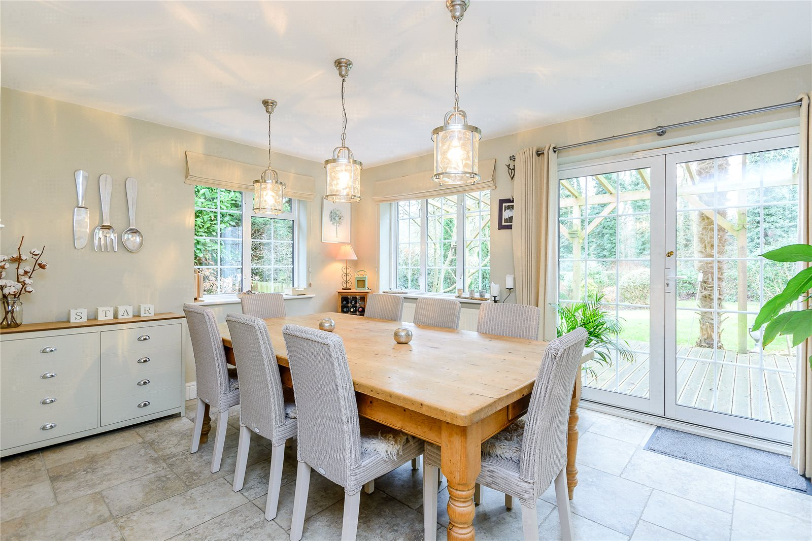 Additional photo for property listing at Howards Wood Drive, Gerrards Cross, Buckinghamshire, SL9 Gerrards Cross, England