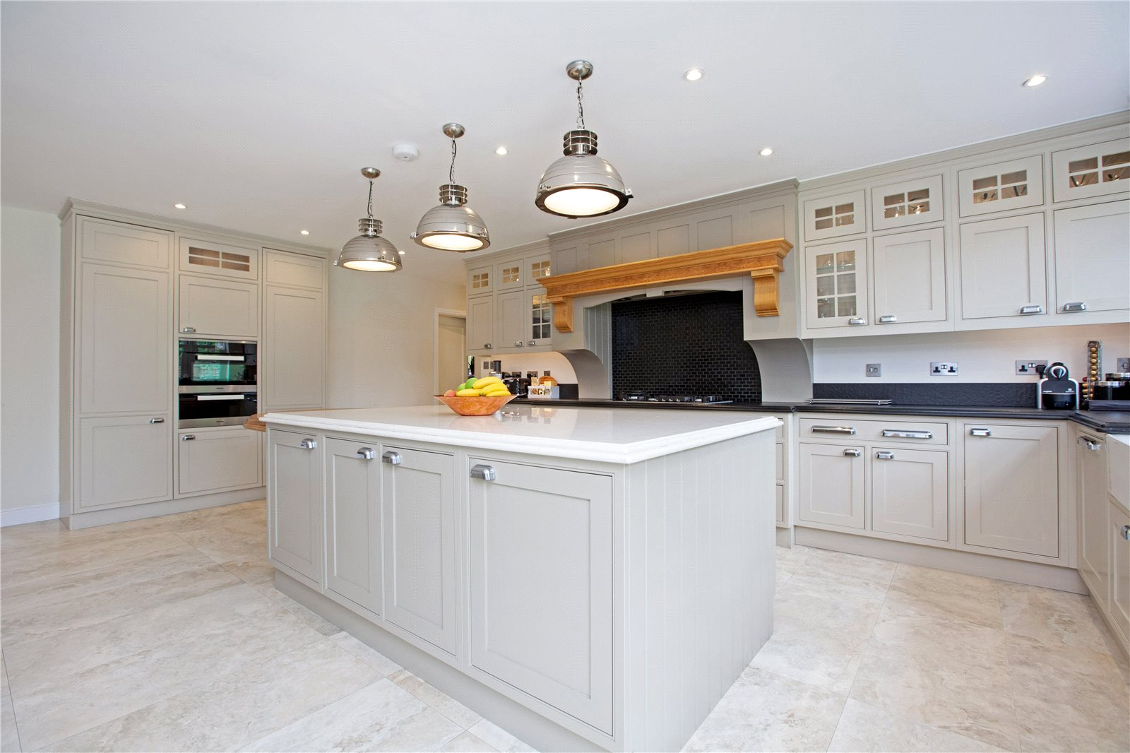 Additional photo for property listing at Dukes Wood Drive, Gerrards Cross, Buckinghamshire, SL9 Gerrards Cross, Inghilterra