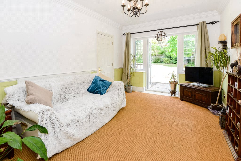 Additional photo for property listing at Cedar Close, Iver Heath, Buckinghamshire, SL0 Iver Heath, 英格兰