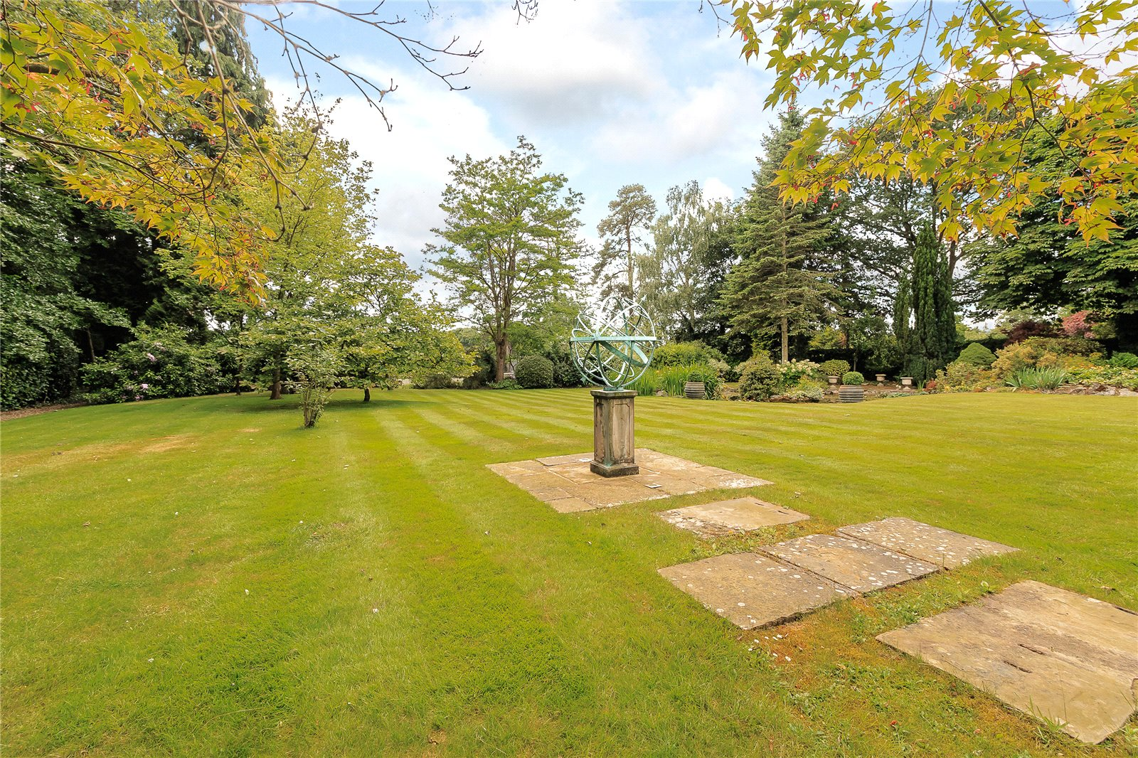 Additional photo for property listing at Chalfont Lane, Chorleywood, Hertfordshire, WD3 Chorleywood, Anh Quốc