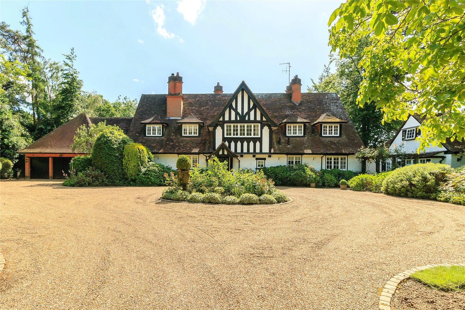 Additional photo for property listing at Chalfont Lane, Chorleywood, Hertfordshire, WD3 Chorleywood, Inglaterra