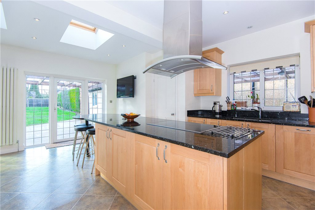 Additional photo for property listing at Fulmer Road, Gerrards Cross, Buckinghamshire, SL9 Gerrards Cross, Αγγλια