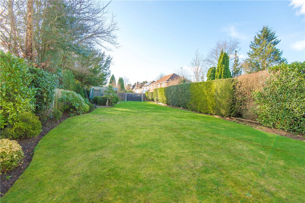 Additional photo for property listing at Fulmer Road, Gerrards Cross, Buckinghamshire, SL9 Gerrards Cross, 영국