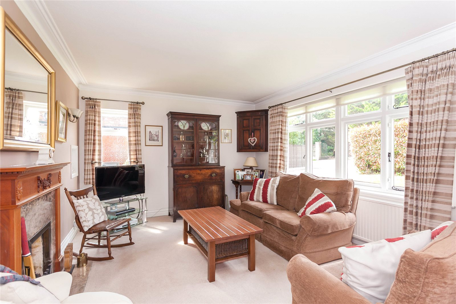 Additional photo for property listing at North Park, Gerrards Cross, Buckinghamshire, SL9 Gerrards Cross, Inglaterra
