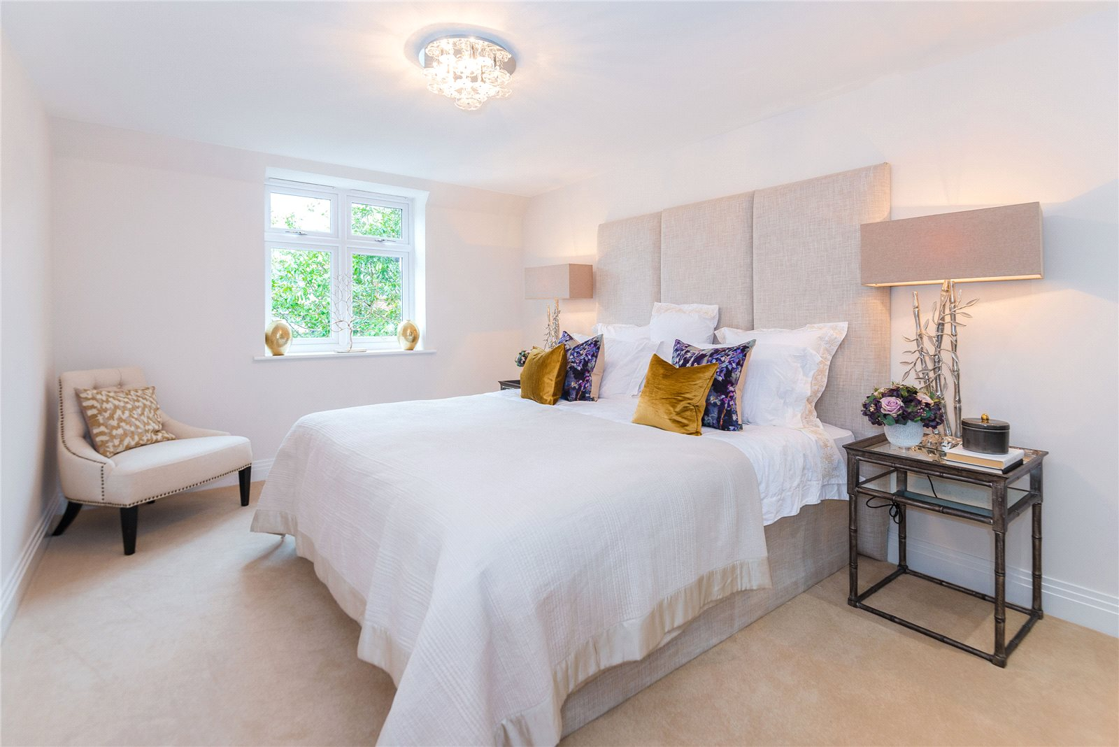 Additional photo for property listing at Scholars Place, South Park Drive, Gerrards Cross, Buckinghamshire, SL9 Gerrards Cross, England