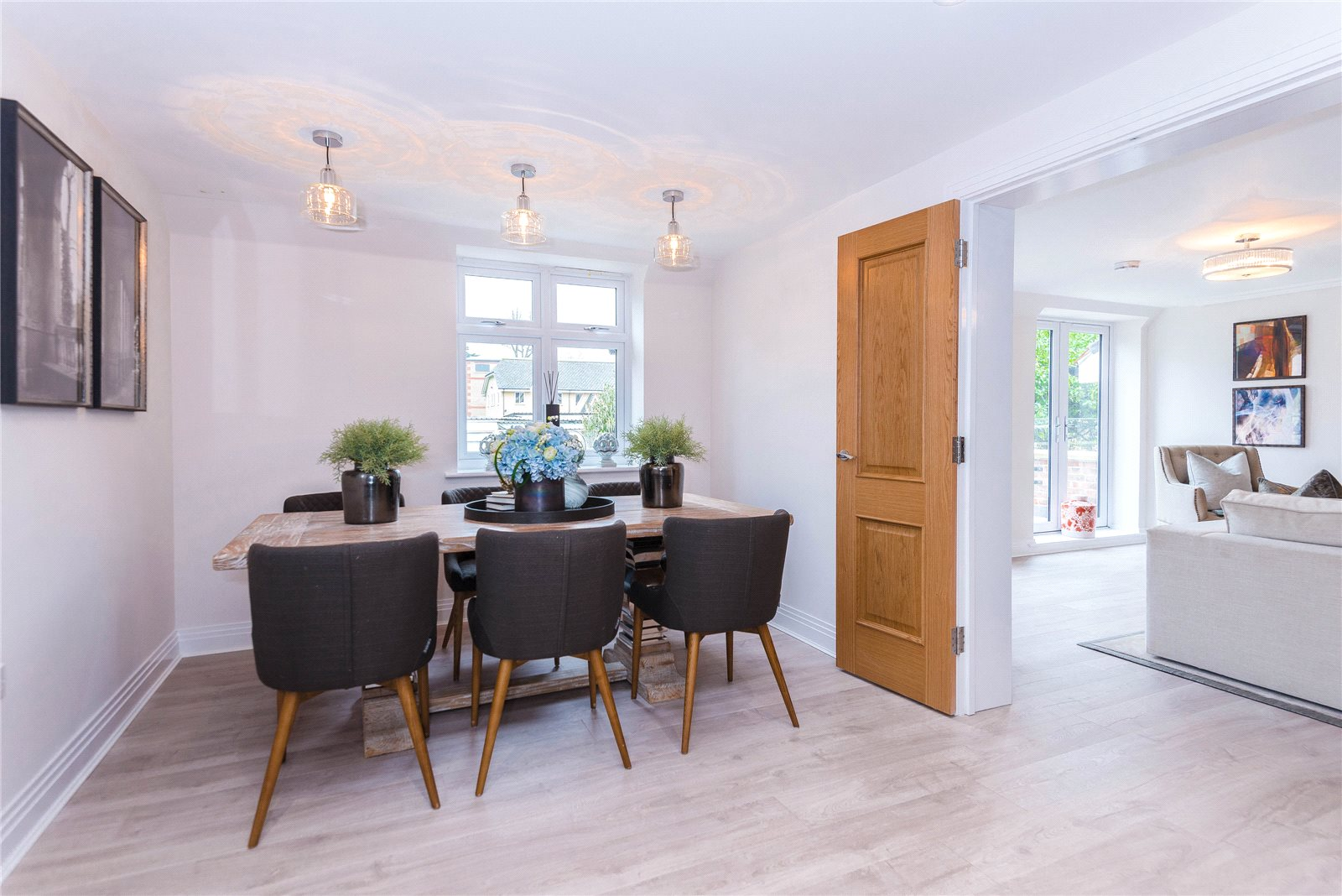 Additional photo for property listing at Scholars Place, South Park Drive, Gerrards Cross, Buckinghamshire, SL9 Gerrards Cross, Ingiltere