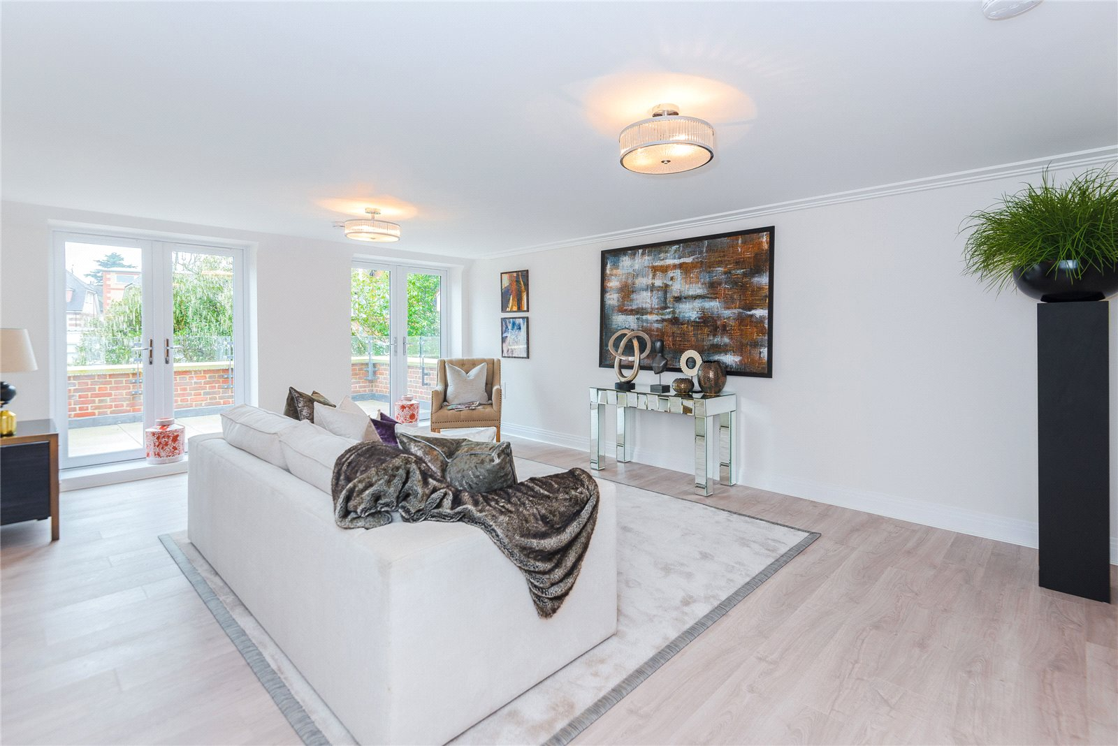 Additional photo for property listing at Scholars Place, South Park Drive, Gerrards Cross, Buckinghamshire, SL9 Gerrards Cross, Αγγλια