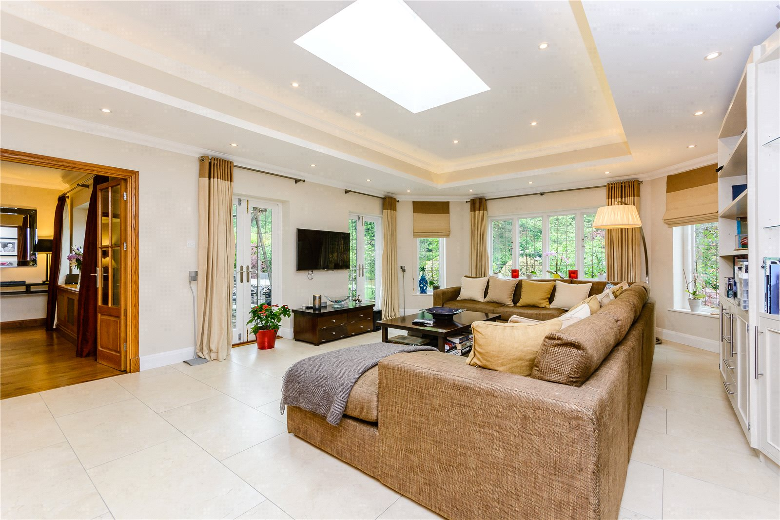 Additional photo for property listing at Windsor Road, Gerrards Cross, Buckinghamshire, SL9 Gerrards Cross, Αγγλια
