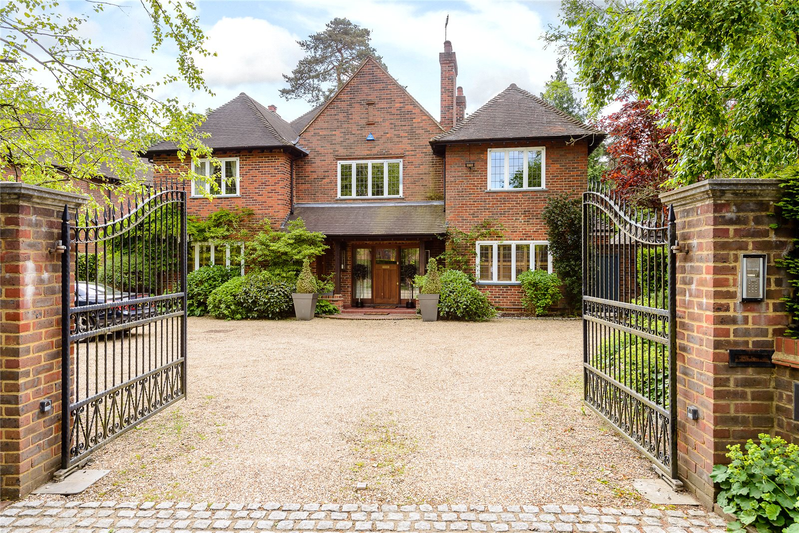 一戸建て のために 売買 アット Windsor Road, Gerrards Cross, Buckinghamshire, SL9 Gerrards Cross, イギリス