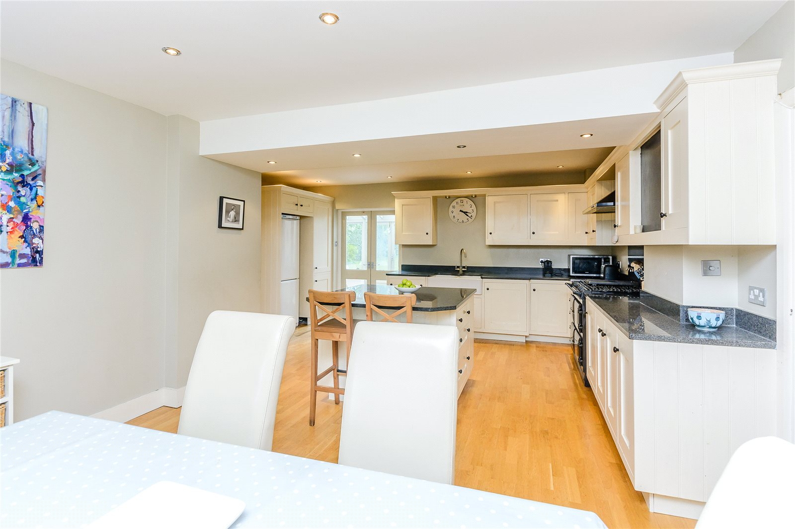 Additional photo for property listing at Latchmoor Avenue, Chalfont St Peter, Gerrards Cross, Buckinghamshire, SL9 Gerrards Cross, Engeland