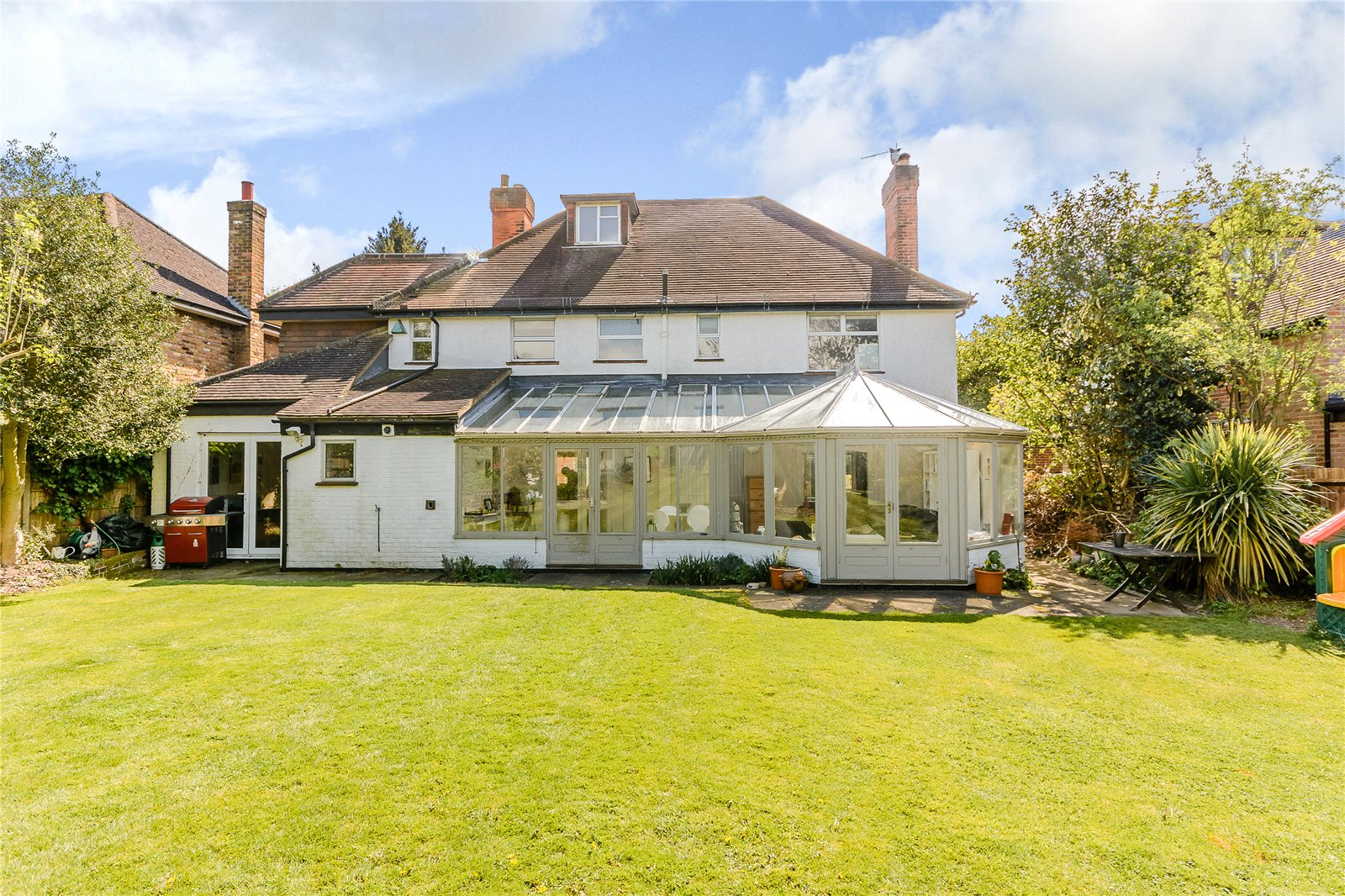 Additional photo for property listing at Latchmoor Avenue, Chalfont St Peter, Gerrards Cross, Buckinghamshire, SL9 Gerrards Cross, Inghilterra