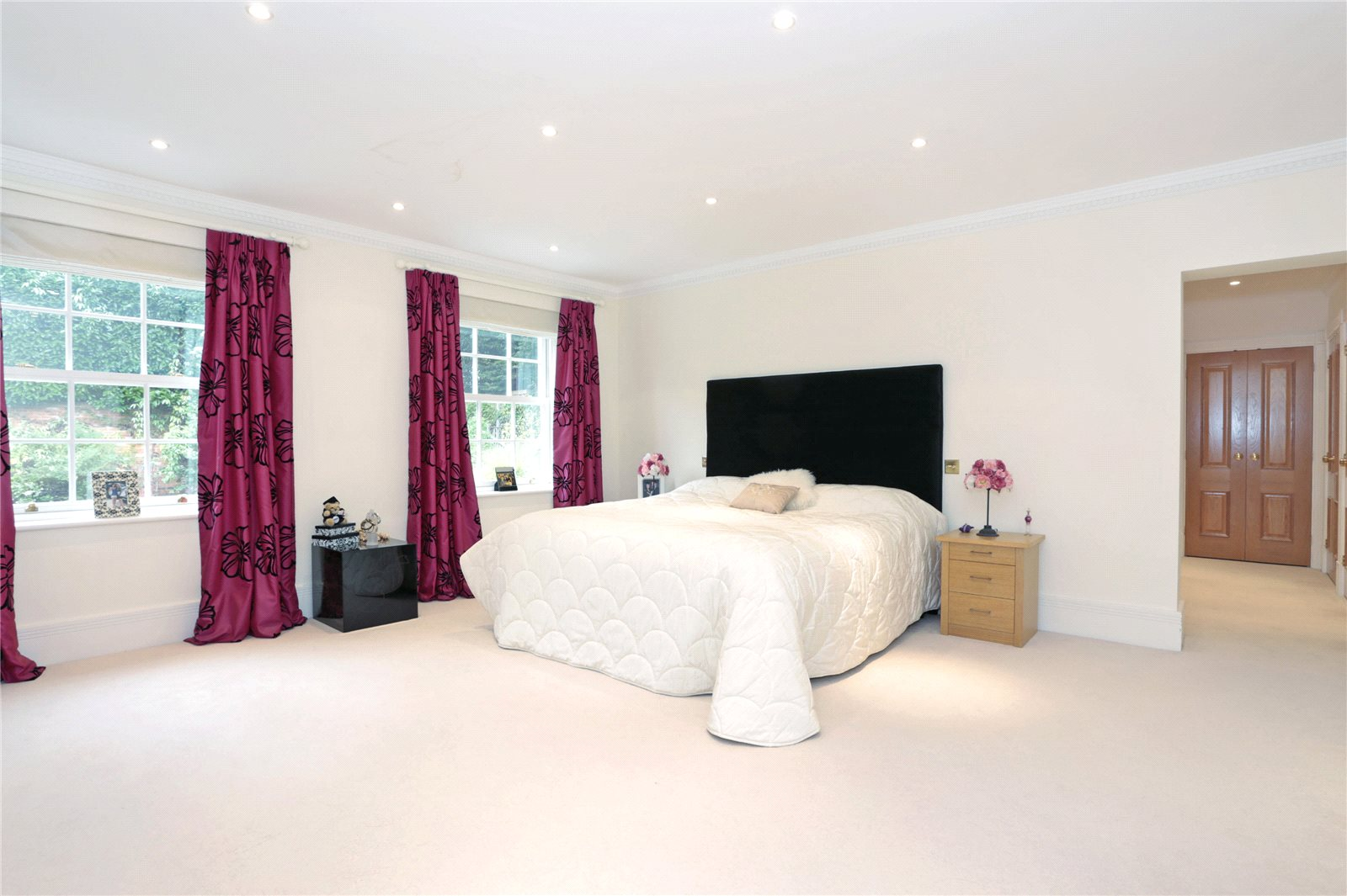Additional photo for property listing at Top Park, Gerrards Cross, Buckinghamshire, SL9 Gerrards Cross, Angleterre
