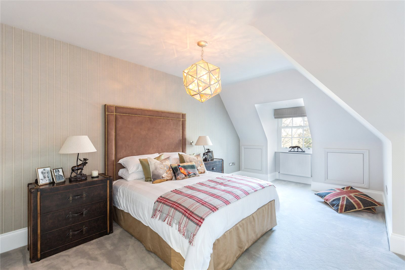 Additional photo for property listing at Refined II, South Park Drive, Gerrards Cross, Buckinghamshire, SL9 Gerrards Cross, イギリス