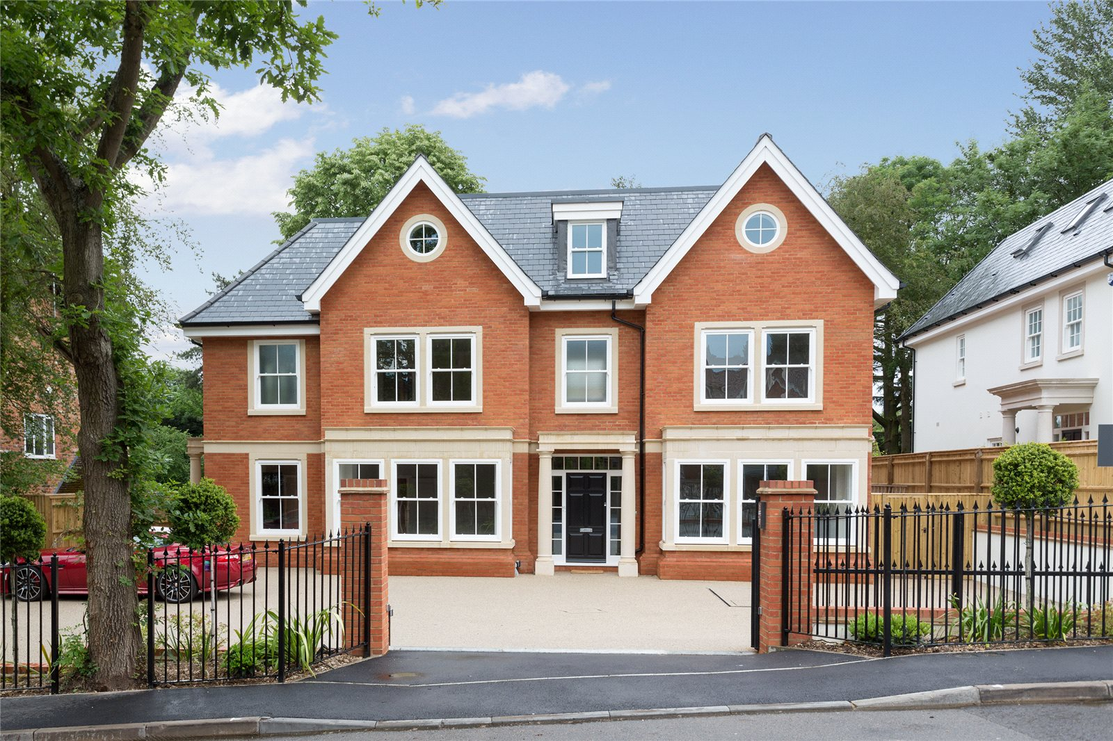 独户住宅 为 销售 在 Refined II, South Park Drive, Gerrards Cross, Buckinghamshire, SL9 Gerrards Cross, 英格兰