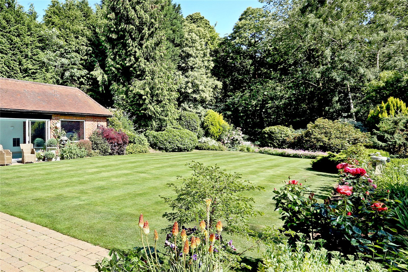 Additional photo for property listing at Woodside Hill, Chalfont Heights, Gerrards Cross, Buckinghamshire, SL9 Gerrards Cross, Inglaterra