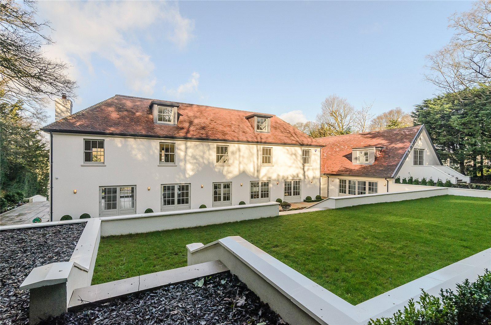 Additional photo for property listing at Camp Road, Gerrards Cross, Buckinghamshire, SL9 Gerrards Cross, England