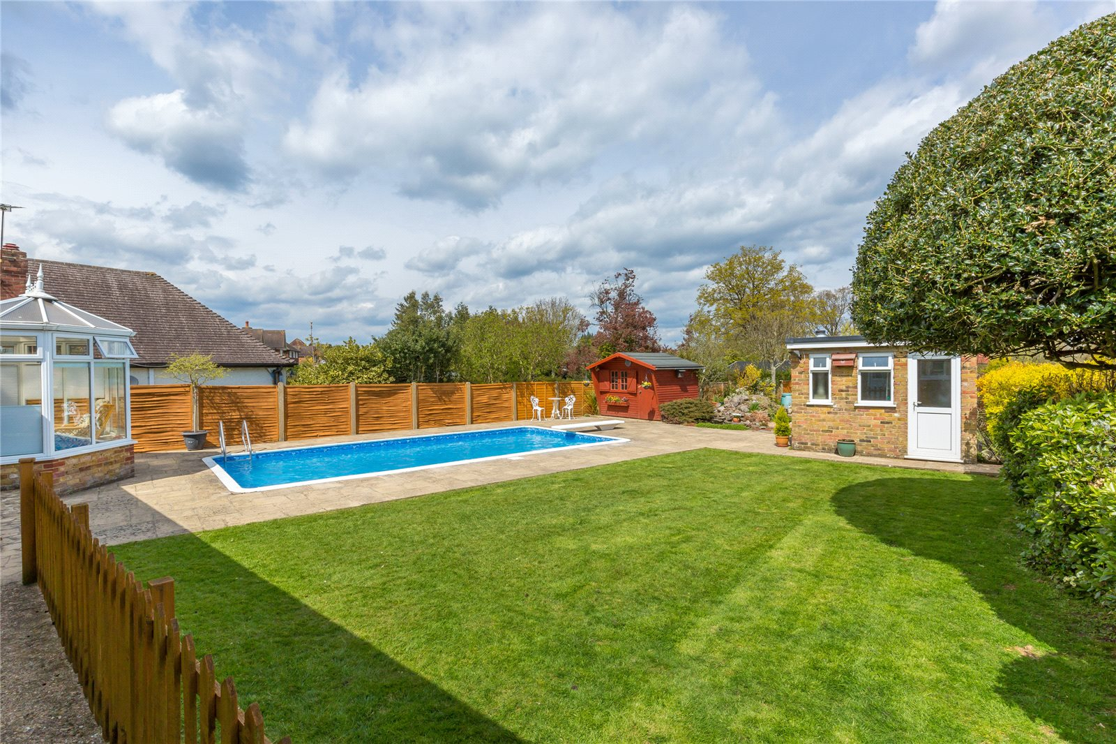 Additional photo for property listing at Denham Lane, Chalfont St Peter, Buckinghamshire, SL9 Chalfont St Peter, Αγγλια