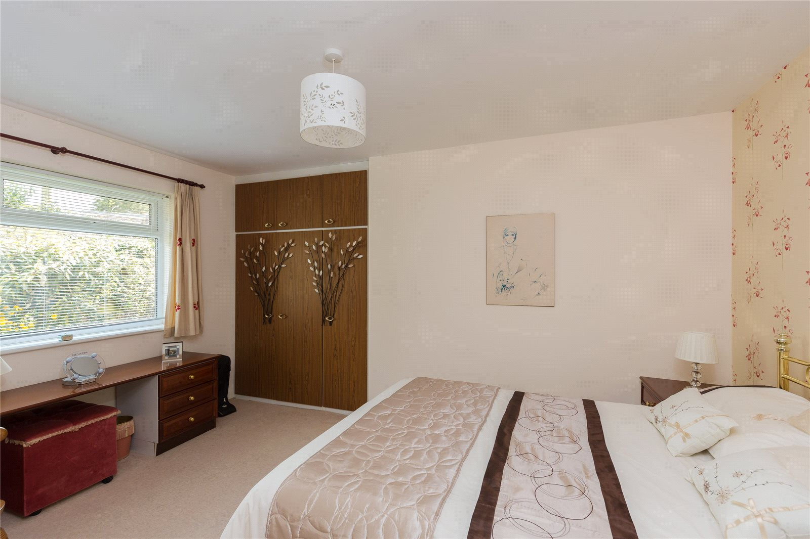 Additional photo for property listing at Denham Lane, Chalfont St Peter, Buckinghamshire, SL9 Chalfont St Peter, England