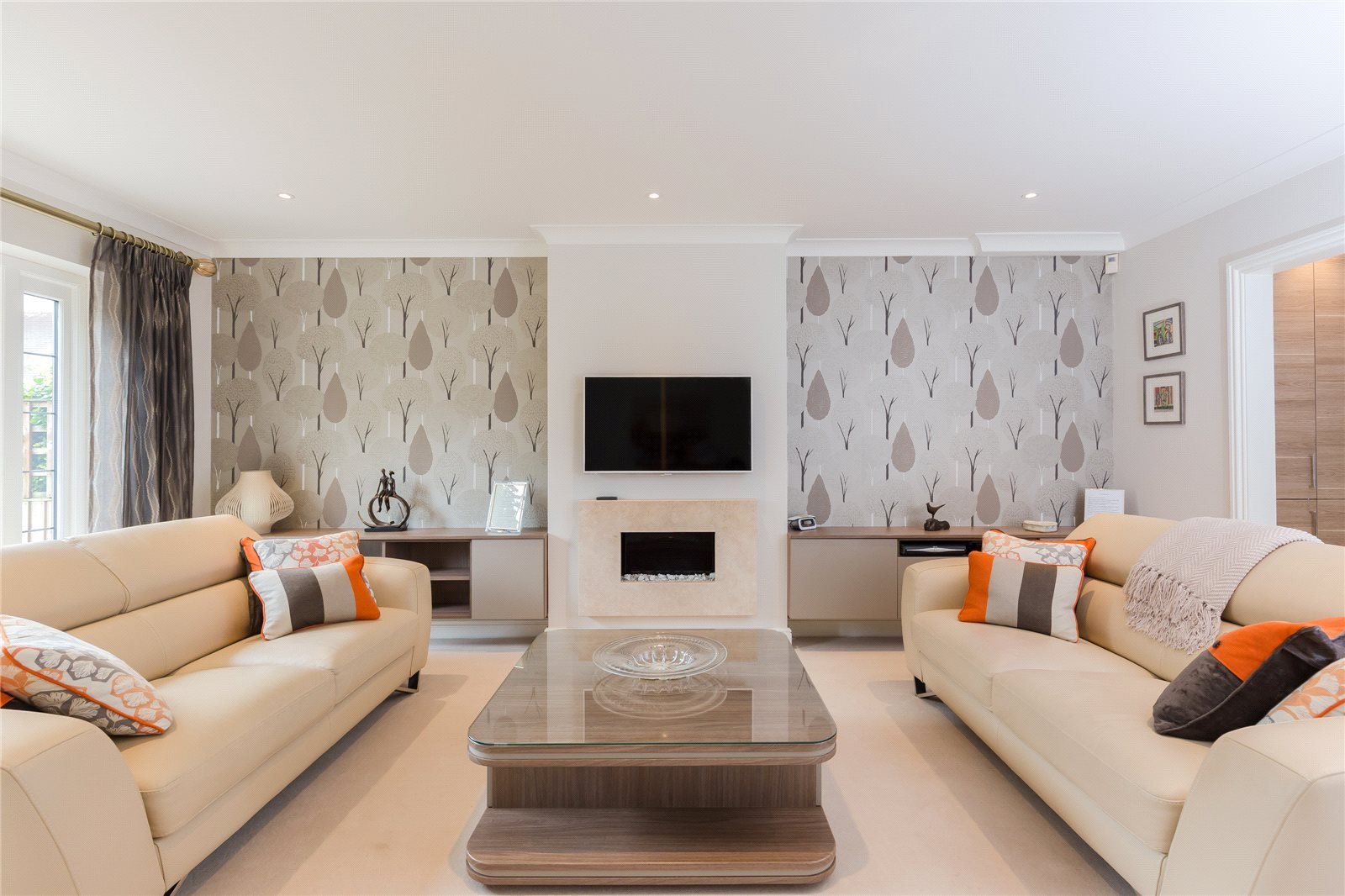 Additional photo for property listing at South Park, Gerrards Cross, Buckinghamshire, SL9 Gerrards Cross, Engeland