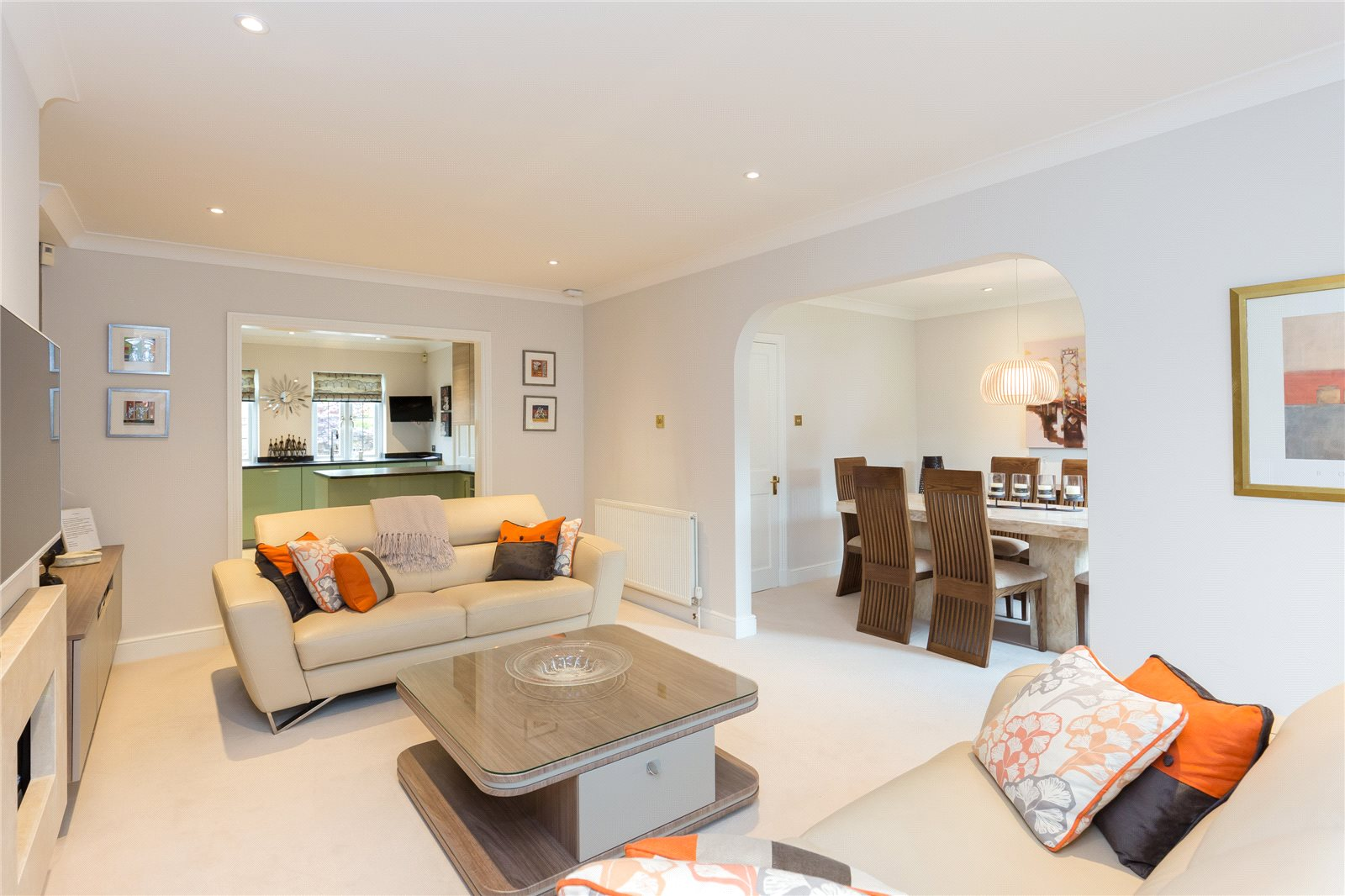 Additional photo for property listing at South Park, Gerrards Cross, Buckinghamshire, SL9 Gerrards Cross, Anh Quốc