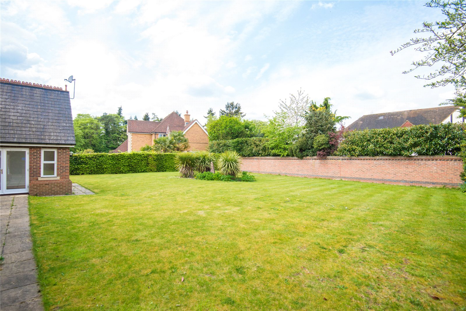 Additional photo for property listing at Stoneyfield, Gerrards Cross, Buckinghamshire, SL9 Gerrards Cross, Angleterre